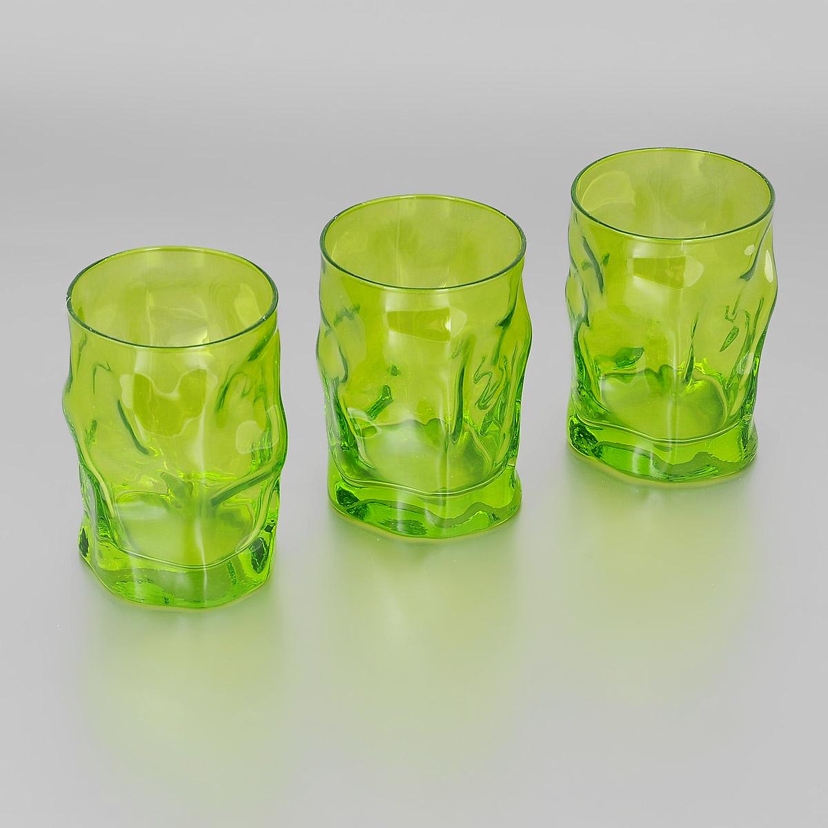 Набор стаканов Bormioli Rocco Sorgente Multicolor, цвет: зеленый, 300 мл, 3 шт340420Q04021591Набор Bormioli Rocco Sorgente Multicolor, выполненный из стекла, состоит из 3 низких стаканов. Стаканы предназначены для подачи холодных напитков. Изделия имеют оригинальный дизайн и толстое дно. Благодаря такому набору пить напитки будет еще вкуснее.Стаканы Bormioli Rocco Sorgente Multicolor станут идеальным украшением праздничного стола и отличным подарком к любому празднику. С 1825 года компания Bormioli Rocco производит высококачественную посуду из стекла. На сегодняшний день это мировой лидер на рынке производства стеклянных изделий. Ассортимент, предлагаемый Bormioli Rocco необычайно широк - это бокалы, фужеры, рюмки, графины, кувшины, банки для сыпучих продуктов и консервирования, тарелки, салатники, чашки, контейнеры различных емкостей, предназначенные для хранения продуктов в холодильниках и морозильных камерах и т.д. Стекло сочетает в себе передовые технологии и традиционно высокое качество.