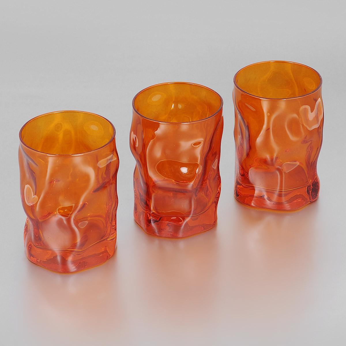 Набор стаканов Bormioli Rocco Sorgente Multicolor, цвет: оранжевый, 300 мл, 3 штVT-1520(SR)Набор Bormioli Rocco Sorgente Multicolor, выполненный из стекла, состоит из 3 низких стаканов. Стаканы предназначены для подачи холодных напитков. Изделия имеют оригинальный дизайн и толстое дно. Благодаря такому набору пить напитки будет еще вкуснее.Стаканы Bormioli Rocco Sorgente Multicolor станут идеальным украшением праздничного стола и отличным подарком к любому празднику. С 1825 года компания Bormioli Rocco производит высококачественную посуду из стекла. На сегодняшний день это мировой лидер на рынке производства стеклянных изделий. Ассортимент, предлагаемый Bormioli Rocco необычайно широк - это бокалы, фужеры, рюмки, графины, кувшины, банки для сыпучих продуктов и консервирования, тарелки, салатники, чашки, контейнеры различных емкостей, предназначенные для хранения продуктов в холодильниках и морозильных камерах и т.д. Стекло сочетает в себе передовые технологии и традиционно высокое качество.