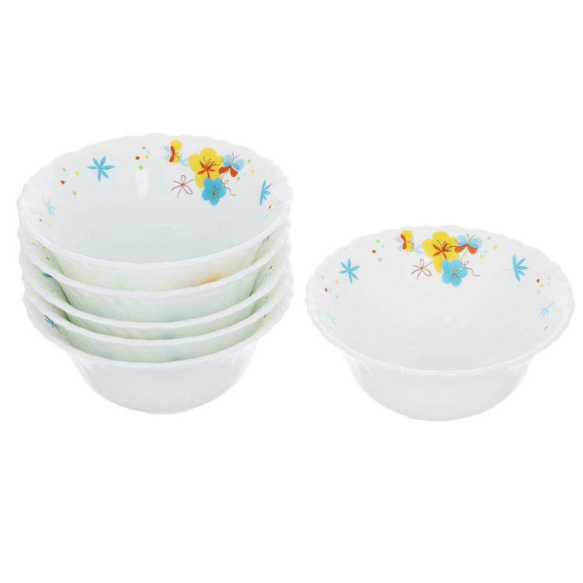 Набор салатников Цветочки, диаметр 13 см, 6 штGR1861ЯГДНабор салатников Цветочки, выполненный из стекла, будет уместен на любой кухне и понравится каждой хозяйке. В набор входят шесть салатников, украшенных принтом в виде цветов и бабочек и фигурными краями. Они сочетают в себе изысканный дизайн с максимальной функциональностью. Такой набор салатников придется по вкусу и ценителям классики, и тем, кто предпочитает утонченность и изящность.