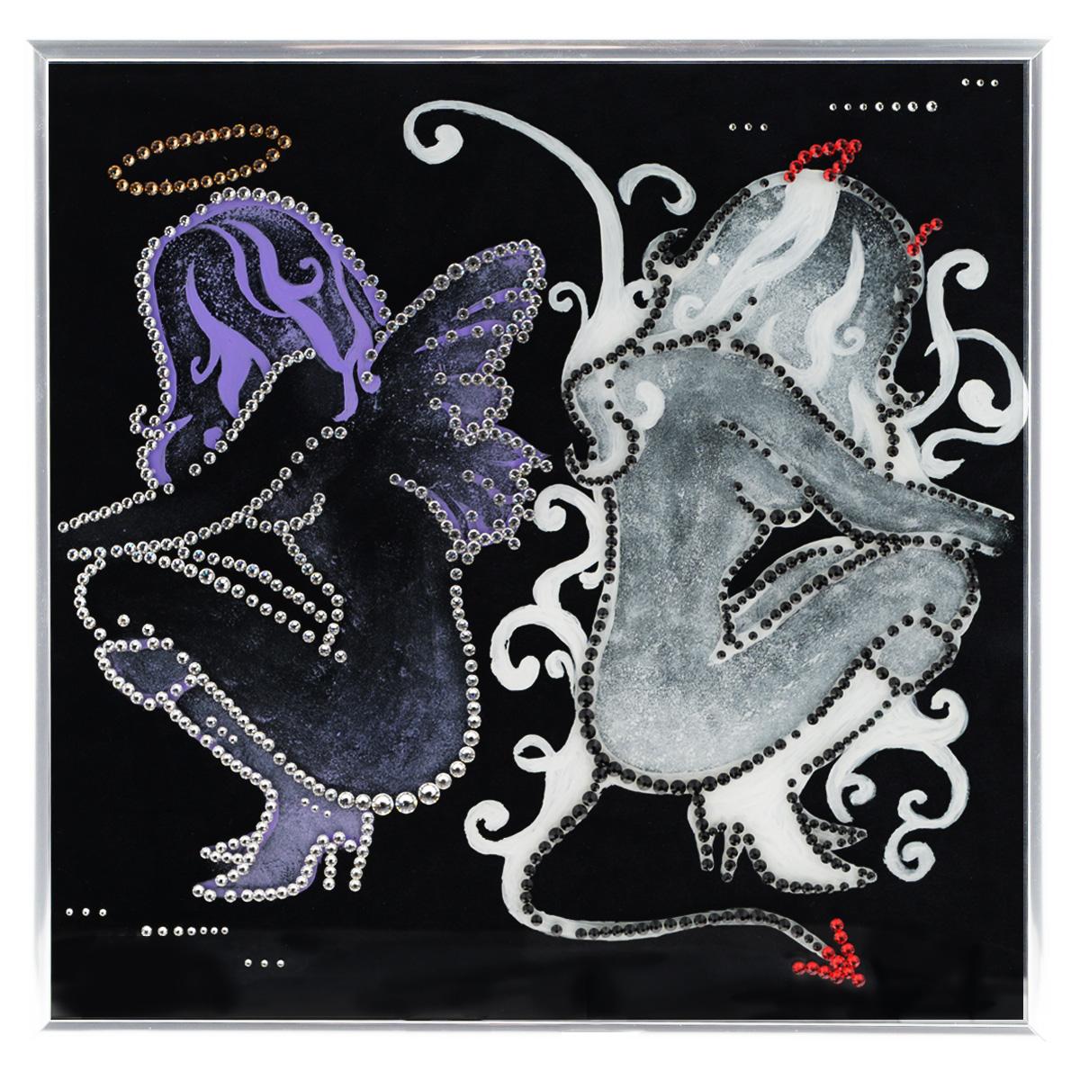 Картина с кристаллами Swarovski Ангел и демон, 30 х 30 смPM-3301Изящная картина в металлической раме, инкрустирована кристаллами Swarovski, которые отличаются четкой и ровной огранкой, ярким блеском и чистотой цвета. Красочное изображение ангела и демона, расположенное под стеклом, прекрасно дополняет блеск кристаллов. С обратной стороны имеется металлическая петелька для размещения картины на стене. Картина с кристаллами Swarovski Ангел и демон элегантно украсит интерьер дома или офиса, а также станет прекрасным подарком, который обязательно понравится получателю. Блеск кристаллов в интерьере, что может быть сказочнее и удивительнее. Картина упакована в подарочную картонную коробку синего цвета и комплектуется сертификатом соответствия Swarovski.
