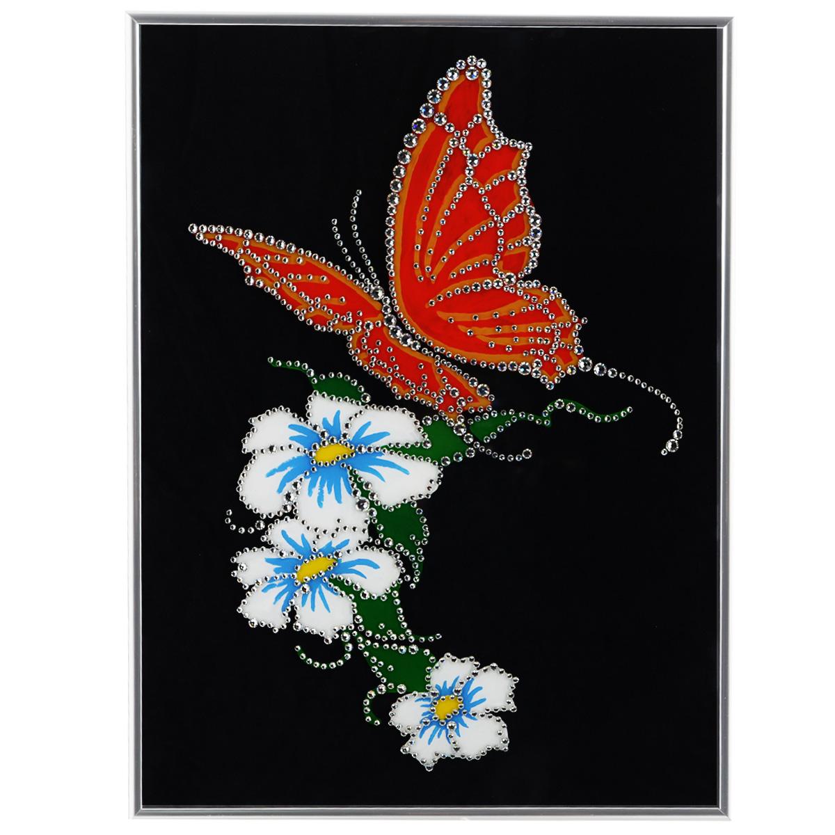 Картина с кристаллами Swarovski Бабочка, 30 х 40 см1200Изящная картина в металлической раме, инкрустирована кристаллами Swarovski, которые отличаются четкой и ровной огранкой, ярким блеском и чистотой цвета. Красочное изображение цветов и бабочки, расположенное под стеклом, прекрасно дополняет блеск кристаллов. С обратной стороны имеется металлическая петелька для размещения картины на стене. Картина с кристаллами Swarovski Бабочка элегантно украсит интерьер дома или офиса, а также станет прекрасным подарком, который обязательно понравится получателю. Блеск кристаллов в интерьере, что может быть сказочнее и удивительнее. Картина упакована в подарочную картонную коробку синего цвета и комплектуется сертификатом соответствия Swarovski.