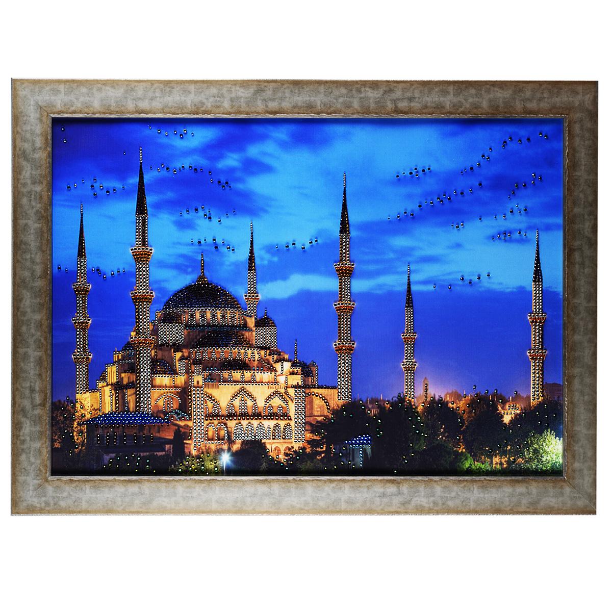 Картина с кристаллами Swarovski Большая мечеть, 80 х 60 см1728Изящная картина в багетной раме, инкрустирована кристаллами Swarovski, которые отличаются четкой и ровной огранкой, ярким блеском и чистотой цвета. Красочное изображение мечети, расположенное на внутренней стороне стекла, прекрасно дополняет блеск кристаллов. С обратной стороны имеется металлическая проволока для размещения картины на стене. Картина с кристаллами Swarovski Большая мечеть элегантно украсит интерьер дома или офиса, а также станет прекрасным подарком, который обязательно понравится получателю. Блеск кристаллов в интерьере, что может быть сказочнее и удивительнее. Картина упакована в подарочную картонную коробку синего цвета и комплектуется сертификатом соответствия Swarovski.