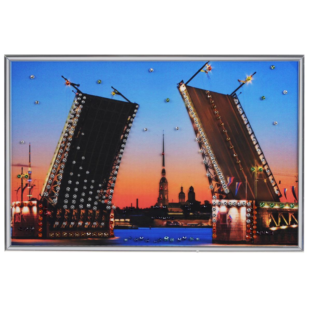 Картина с кристаллами Swarovski Дворцовый мост, 30 см х 20 см12723Изящная картина в металлической раме, инкрустирована кристаллами Swarovski, которые отличаются четкой и ровной огранкой, ярким блеском и чистотой цвета. Красочное изображение дворцового моста, расположенное под стеклом, прекрасно дополняет блеск кристаллов. С обратной стороны имеется металлическая петелька для размещения картины на стене.Картина с кристаллами Swarovski Дворцовый мост элегантно украсит интерьер дома или офиса, а также станет прекрасным подарком, который обязательно понравится получателю. Блеск кристаллов в интерьере, что может быть сказочнее и удивительнее. Картина упакована в подарочную картонную коробку синего цвета и комплектуется сертификатом соответствия Swarovski.