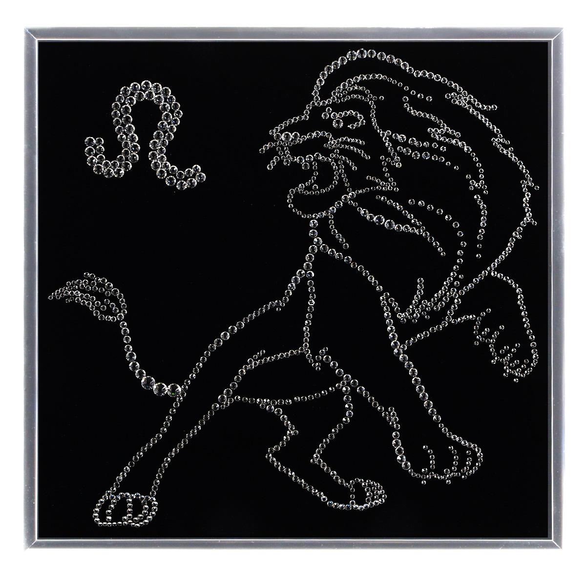 Картина с кристаллами Swarovski Знак зодиака. Лев, 25 х 25 см853127Изящная картина в металлической раме, инкрустирована кристаллами Swarovski в виде созвездия знака зодиака - лев. Кристаллы Swarovski отличаются четкой и ровной огранкой, ярким блеском и чистотой цвета. Под стеклом картина оформлена бархатистой тканью, что прекрасно дополняет блеск кристаллов. С обратной стороны имеется металлическая петелька для размещения картины на стене. Картина с кристаллами Swarovski Знак зодиака. Лев элегантно украсит интерьер дома или офиса, а также станет прекрасным подарком, который обязательно понравится получателю. Блеск кристаллов в интерьере, что может быть сказочнее и удивительнее. Картина упакована в подарочную картонную коробку синего цвета и комплектуется сертификатом соответствия Swarovski.