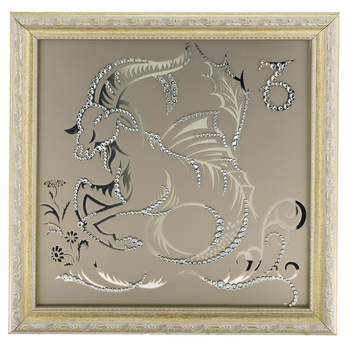 Картина с кристаллами Swarovski Знак зодиака. Козерог, 35 х 35 смRG-D31SИзящная картина в багетной раме, инкрустирована кристаллами Swarovski в виде знака зодиака - Козерог на матовом стекле золотистого цвета. Кристаллы Swarovski отличаются четкой и ровной огранкой, ярким блеском и чистотой цвета. С обратной стороны имеется металлическая проволока для размещения картины на стене. Картина с кристаллами Swarovski Знак зодиака. Козерог элегантно украсит интерьер дома или офиса, а также станет прекрасным подарком, который обязательно понравится получателю. Блеск кристаллов в интерьере, что может быть сказочнее и удивительнее. Картина упакована в подарочную картонную коробку синего цвета и комплектуется сертификатом соответствия Swarovski.