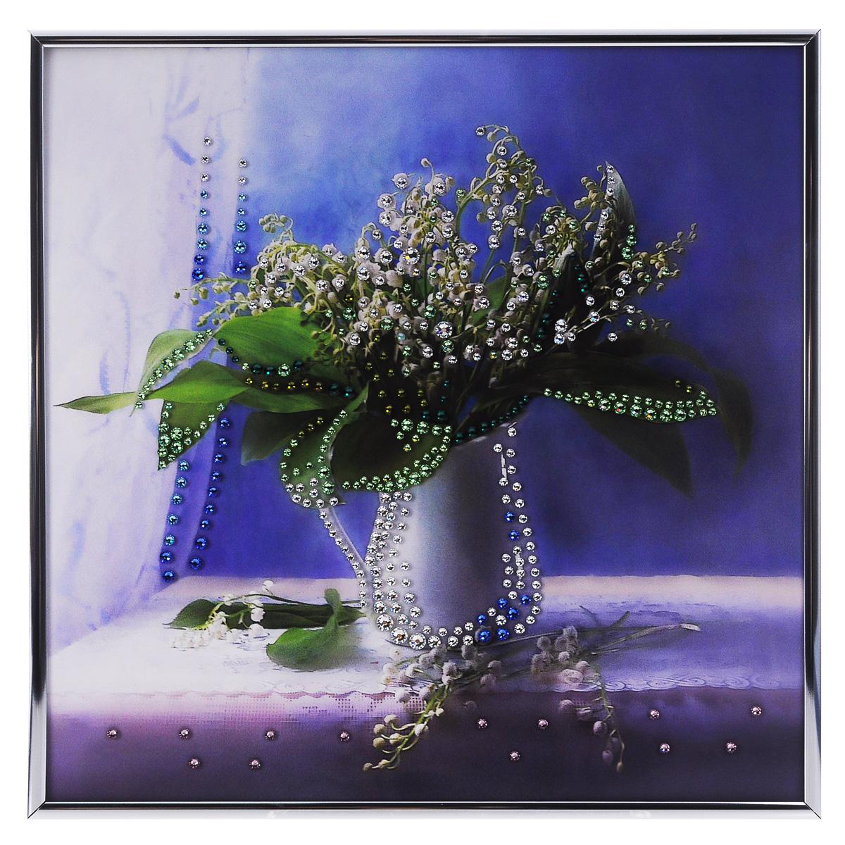 Картина с кристаллами Swarovski Ландыши, 30 см х 30 смPM-3303Изящная картина в металлической раме, инкрустирована кристаллами Swarovski, которые отличаются четкой и ровной огранкой, ярким блеском и чистотой цвета. С обратной стороны имеется металлическая петелька для размещения картины на стене. Картина с кристаллами Swarovski элегантно украсит интерьер дома или офиса, а также станет прекрасным подарком, который обязательно понравится получателю. Блеск кристаллов в интерьере, что может быть сказочнее и удивительнее. Картина упакована в подарочную картонную коробку синего цвета и комплектуется сертификатом соответствия Swarovski. Количество кристаллов: 392.