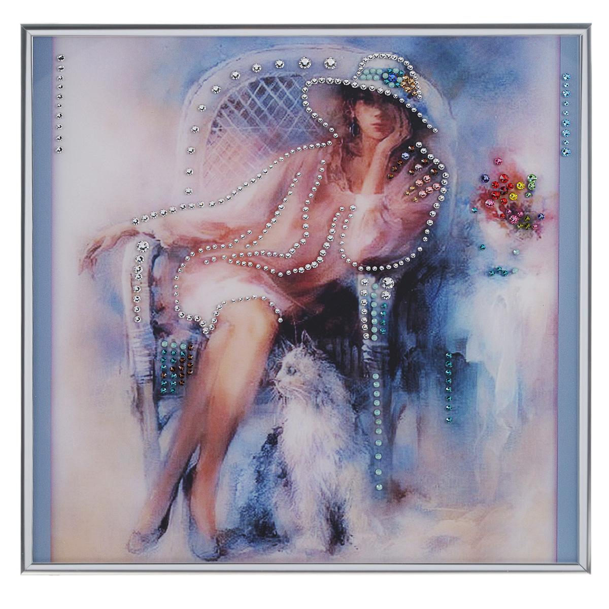 Картина с кристаллами Swarovski Незнакомка, 30 х 30 смPM-4002Изящная картина в металлической раме, инкрустирована кристаллами Swarovski, которые отличаются четкой и ровной огранкой, ярким блеском и чистотой цвета. Красочное изображение девушки, расположенное под стеклом, прекрасно дополняет блеск кристаллов. С обратной стороны имеется металлическая петелька для размещения картины на стене.Картина с кристаллами Swarovski Незнакомка элегантно украсит интерьер дома или офиса, а также станет прекрасным подарком, который обязательно понравится получателю. Блеск кристаллов в интерьере, что может быть сказочнее и удивительнее. Картина упакована в подарочную картонную коробку синего цвета и комплектуется сертификатом соответствия Swarovski.