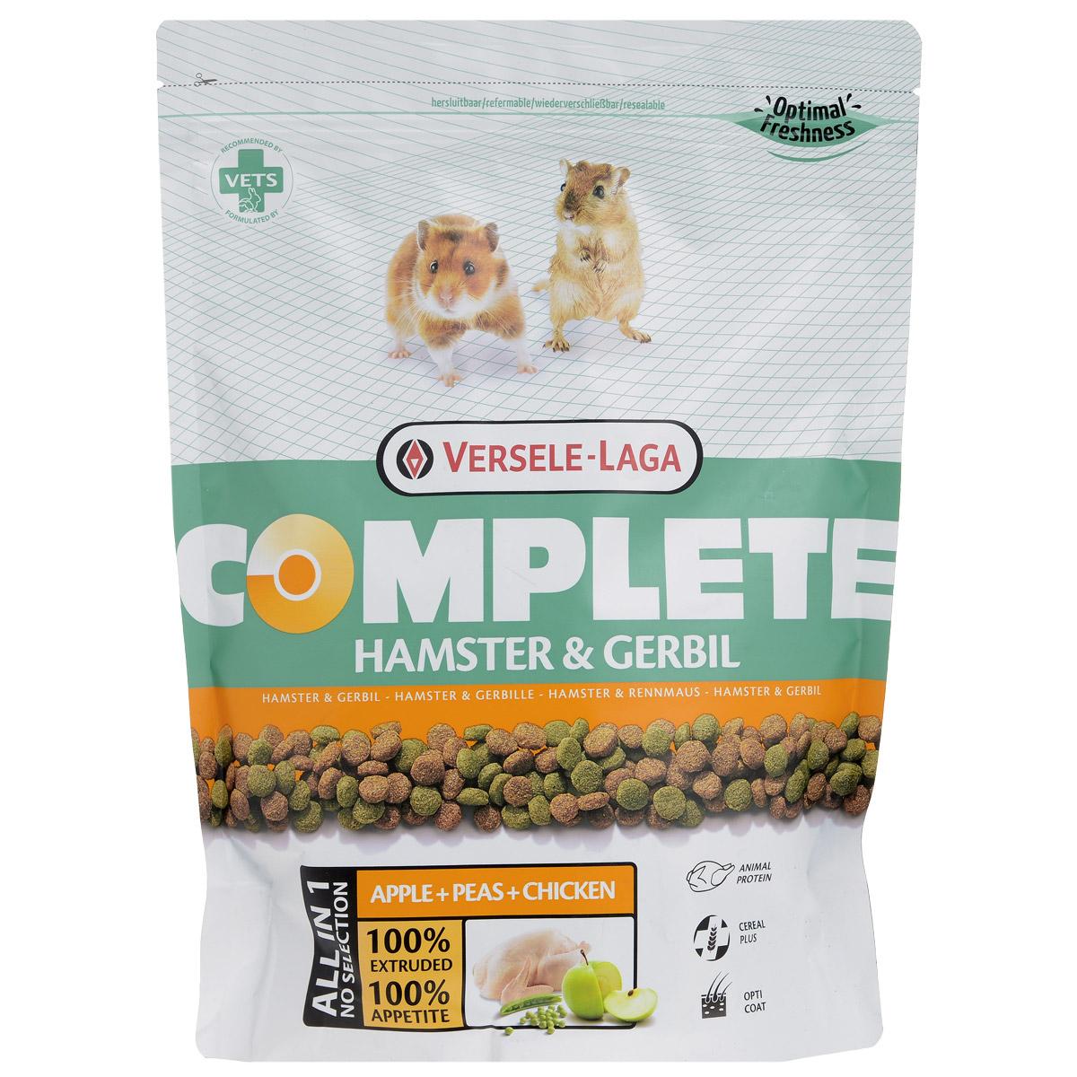Корм для хомяков и песчанок Versele-Laga Hamster & Gerbil, комплексный, 500 г0120710Комплексный корм Versele-Laga - это полноценный и вкусный корм для (карликовых) хомяков, состоящий на 100% из легкоусвояемых экструдированных гранул. Корм содержит все питательные вещества, необходимые вашим питомцам для здоровой и активной жизни.Уход за зубамиПроблемы с ротовой полостью — частое явление у хомяков. Зачастую это последствия неправильного питания с нехваткой твердых компонентов для стачивания постоянно растущих зубов. Использование особых неизмельченных и твердых компонентов в гранулах обеспечит более длительное жевание и лучшее стачивание зубов, что благоприятствует здоровью ротовой полости.Свежие овощи Особый процесс прессования позволяет добавлять в гранулы до 10% свежих овощей, что обеспечивает прекрасный вкус гранул. Вкупе с дополнительной клетчаткой гранулы имеют прекрасную перевариваемость.ПротеиныХомяки по своей природе всеядны и относятся к тем грызунам, которым необходимы как животные, так и растительные белки. При этом содержание жиров в корме должно быть ограниченным.ФлорастимулДобавление таких пробиотиков как фруктоолигосахариды (FOS) и маннанолигосахариды (MOS) крайне положительно сказывается на здоровье кишечной микрофлоры, обеспечивая правильное функционирование пищеварения.ВитаминыНезаменимые витамины поддерживают общее здоровье питомца. Витамин A важен для обновления клеток кожи, для зрения, репродуктивной деятельности и обмена веществ. Витамин D3 стимулирует усвоение кальция и фосфора, укрепляя кости. Витамины E и C являются важными антиоксидантами, защищающими организм от свободных радикалов, а также улучшая защитные механизмы организма. Корм также обогащен стабилизированным витамином C, который, в отличие от кристаллизованной формы, меньше подвержен окислению и биораспаду, дольше сохраняя активные свойства.Хороший иммунитетДобавление натуральных растительных пигментов, лютеина и бета-каротина позитивно влияет на общую резистентность организма. С од