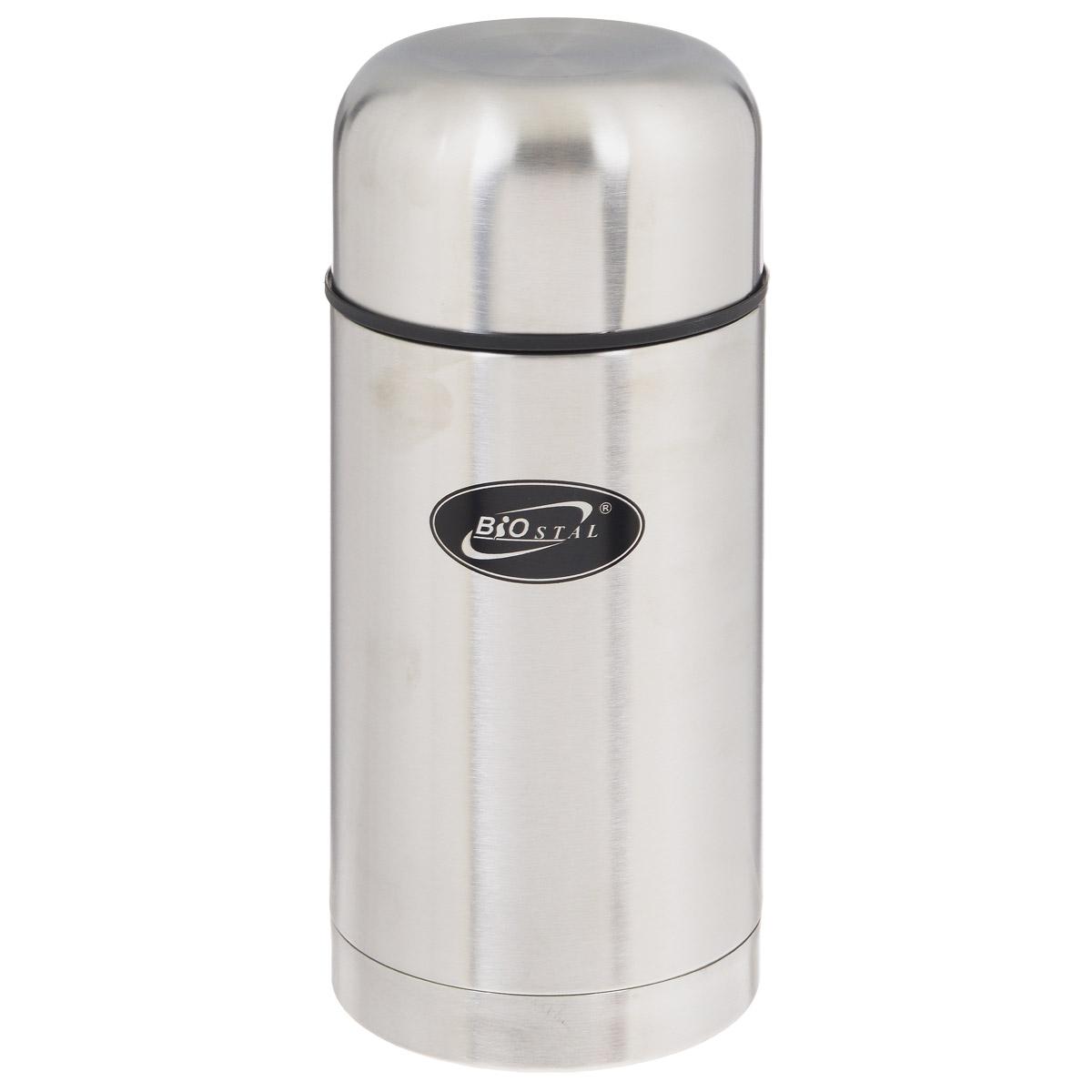 Термос BIOSTAL, в чехле, 1 л. NT-100067742Пищевой термос с широким горлом BIOSTAL, изготовленный из высококачественной нержавеющей стали, относится к классической серии. Термосы этой серии, являющейся лидером продаж, просты в использовании, экономичны и многофункциональны. Термос с широким горлом предназначен для хранения горячей и холодной пищи, замороженных продуктов, мороженного, фруктов и льда и укомплектован пробкой с клапаном. Такая пробка обладает дополнительной теплоизоляцией и позволяет термосу дольше хранить тепло, а клапан облегчает его открытие.Изделие также оснащено крышкой-чашкой и текстильным чехлом для хранения и переноски термоса. Легкий и прочный термос BIOSTAL сохранит ваши напитки горячими или холодными надолго.