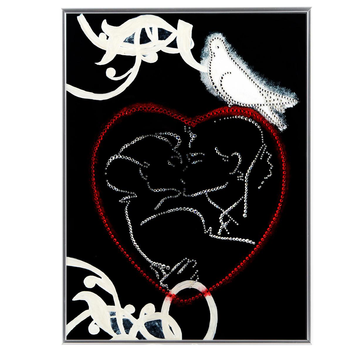 Картина с кристаллами Swarovski С любовью, 30 см х 40 смIDEA CT3-12Изящная картина в металлической раме, инкрустирована кристаллами Swarovski в виде целующийся пары в сердце и голубя. Кристаллы Swarovski отличаются четкой и ровной огранкой, ярким блеском и чистотой цвета. Под стеклом картина оформлена бархатистой тканью, что прекрасно дополняет блеск кристаллов. С обратной стороны имеется металлическая петелька для размещения картины на стене. Картина с кристаллами Swarovski С любовью элегантно украсит интерьер дома или офиса, а также станет прекрасным подарком, который обязательно понравится получателю. Блеск кристаллов в интерьере, что может быть сказочнее и удивительнее. Картина упакована в подарочную картонную коробку синего цвета и комплектуется сертификатом соответствия Swarovski.