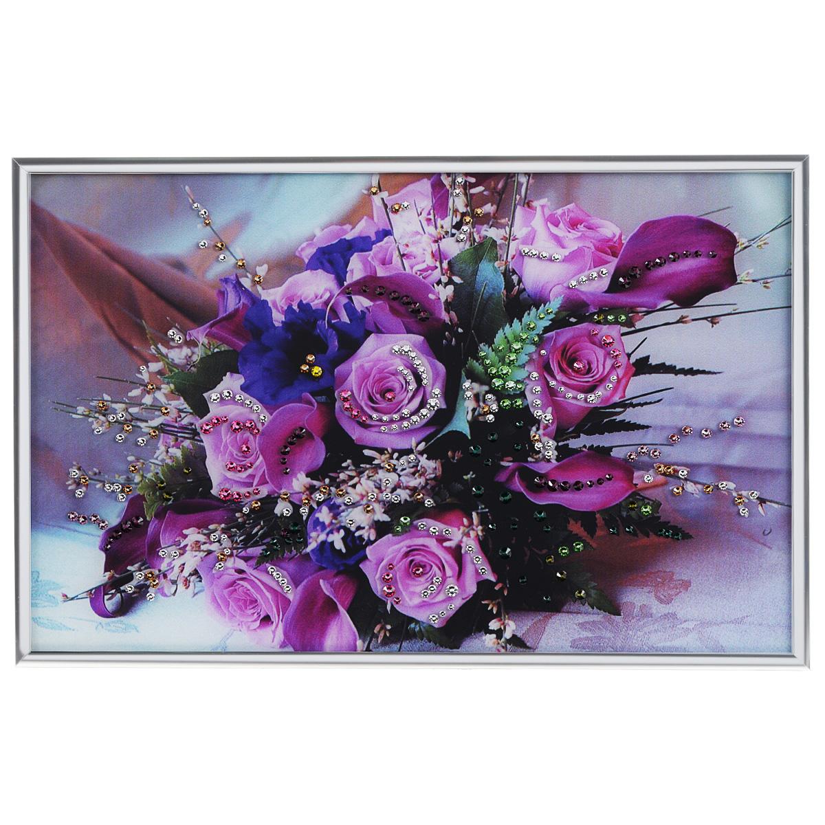 Картина с кристаллами Swarovski Розовые розы, 30 х 20 смAG 30-11Изящная картина в металлической раме, инкрустирована кристаллами Swarovski, которые отличаются четкой и ровной огранкой, ярким блеском и чистотой цвета. Красочное изображение букета роз, расположенное под стеклом, прекрасно дополняет блеск кристаллов. С обратной стороны имеется металлическая петелька для размещения картины на стене.Картина с кристаллами Swarovski Розовые розы элегантно украсит интерьер дома или офиса, а также станет прекрасным подарком, который обязательно понравится получателю. Блеск кристаллов в интерьере, что может быть сказочнее и удивительнее. Картина упакована в подарочную картонную коробку синего цвета и комплектуется сертификатом соответствия Swarovski.