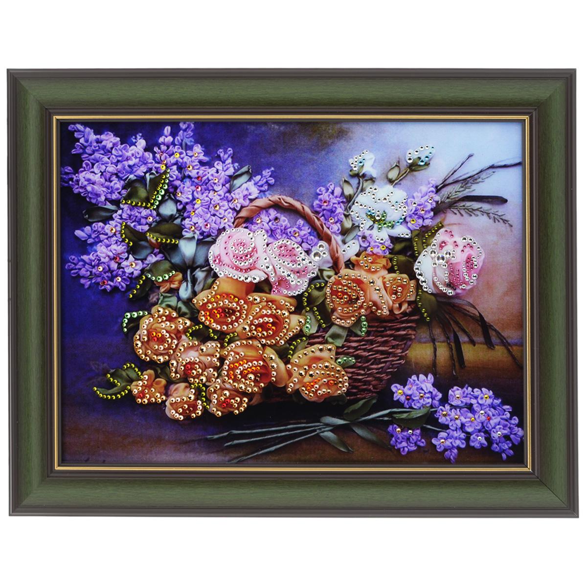 Картина с кристаллами Swarovski Натюрморт сирень, 48 х 38 см127729Изящная картина в багетной раме, инкрустирована кристаллами Swarovski, которые отличаются четкой и ровной огранкой, ярким блеском и чистотой цвета. Красочное изображение цветов в корзине, расположенное под стеклом, прекрасно дополняет блеск кристаллов. С обратной стороны имеется металлическая проволока для размещения картины на стене. Картина с кристаллами Swarovski Натюрморт сирень элегантно украсит интерьер дома или офиса, а также станет прекрасным подарком, который обязательно понравится получателю. Блеск кристаллов в интерьере, что может быть сказочнее и удивительнее. Картина упакована в подарочную картонную коробку синего цвета и комплектуется сертификатом соответствия Swarovski.