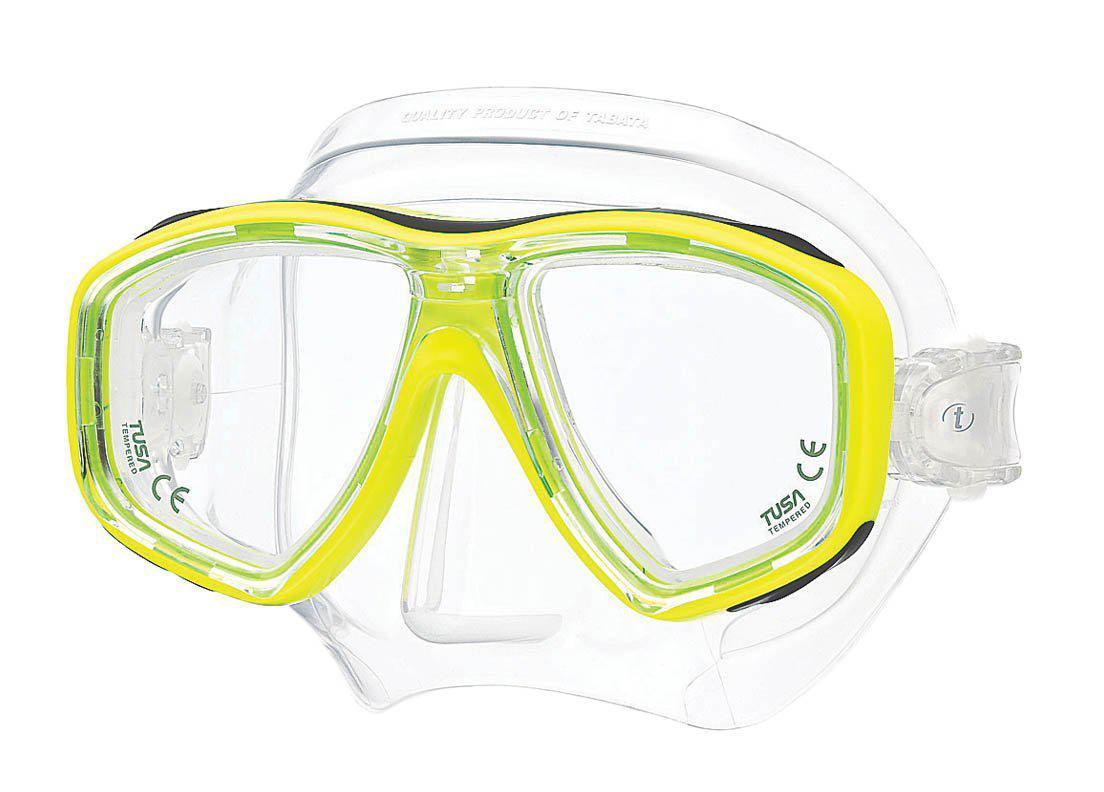 Маска для плавания Tusa Freedom Ceos, цвет: желтыйTS M-212 FYНовинка 2013 года.Низкопрофильная 2-линзовая маска с маленьким подмасочным пространством.В маске применен ряд новых революционных технологий, обеспечивающих комфорт и прилегание маски к лицу. Ячеистая структура обтюратора переменной величины и диаметра в районе скул и по краям лба делают его более мягким и эластичным, что обеспечивает лучшее прилегание и уменьшает вероятность протекания.Переменная толщина силикона обтюратора в районе рта и нижней части носа делают процесс использования трубки максимально комфортным.Обтюратор по линии соприкосновения с кожей имеет поверхность пониженного трения и большую площадь соприкосновения с кожей.В данной маске применена недавно разработанная низкопрофильная пряжка, которая крепится прямо к силиконовому обтюратору.В результате получается компактная, легкая и технологически более совершенная модель маски, которую можно просто и быстро настроить под себя, добившись оптимального прилегания. Характеристики: Цвет: желтый. Ширина оправы маски: 15,5 см. Размер упаковки: 20 см x 10,5 см x 11 см. Материал: силикон, стекло, пластик. Артикул: TS M-212 FY.Производитель: Тайвань.