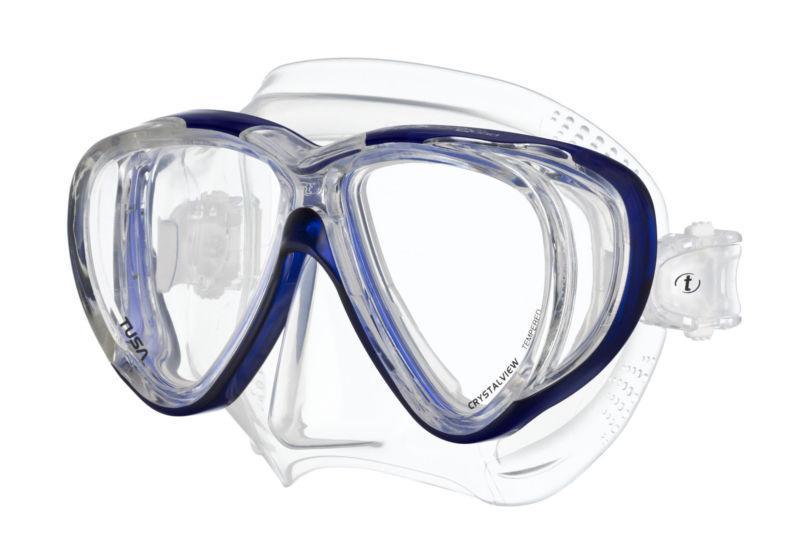 Маска для плавания Tusa Freedom Quad, цвет: синийTS M-41 CBLНовинка 2013 года.Низкопрофильная 4-линзовая маска с удлиненными к низу линзами.В маске применен ряд новых революционных технологий, обеспечивающих комфорт и прилегание маски к лицу. Ячеистая структура обтюратора переменной величины и диаметра в районе скул и по краям лба делают его более мягким и эластичным, что обеспечивает лучшее прилегании и уменьшает вероятность протекания.Переменная толщина силикона обтюратора в районе рта и нижней части носа делают процесс использования трубки максимально комфортным.Обтюратор по линии соприкосновения с кожей имеет поверхность пониженного трения и большую площадь соприкосновения с кожей.В данной маске применена недавно разработанная низкопрофильная пряжка, которая крепится прямо к силиконовому обтюратору.В результате получается компактная, легкая и технологически более совершенная модель маски, которую можно просто и быстро настроить под себя, добившись оптимального прилегания. Характеристики: Цвет: синий. Ширина оправы маски: 15,5 см. Размер упаковки: 20 см x 10,5 см x 11 см. Материал: силикон, стекло, пластик. Артикул: TS M-41 CBL.Производитель: Тайвань.