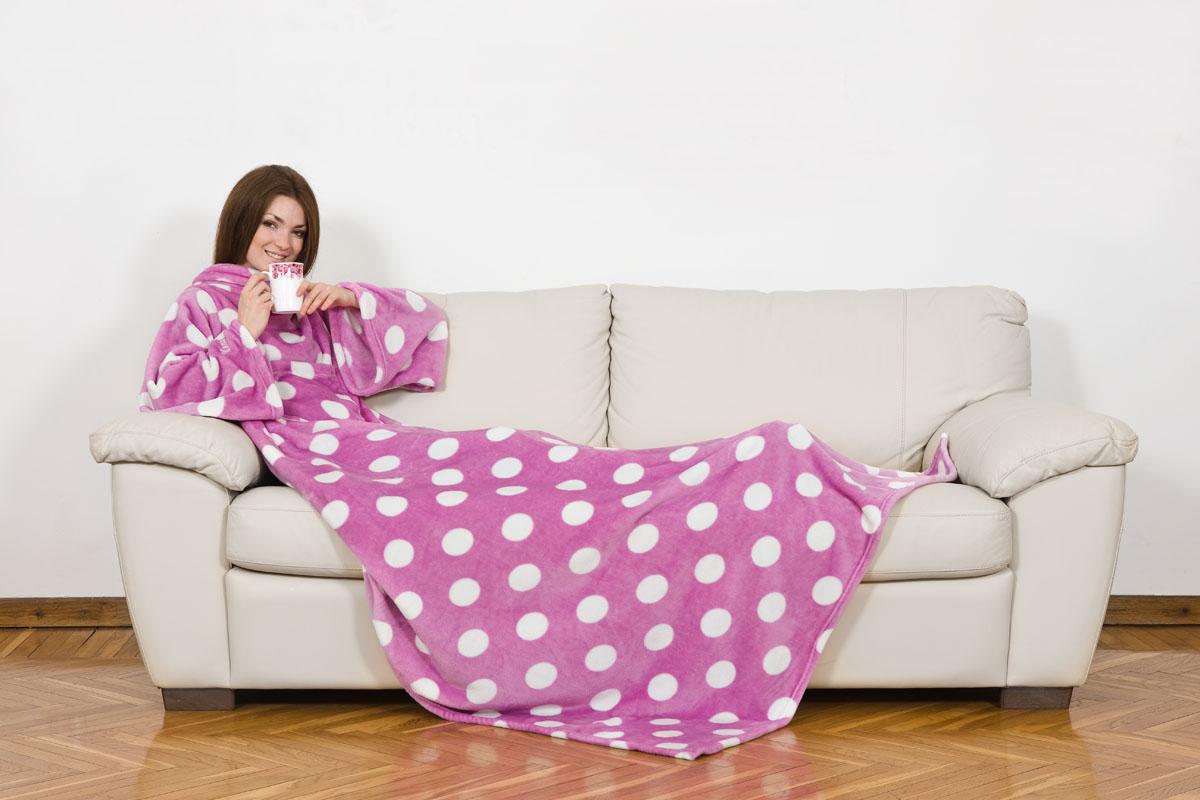 Плед Kanguru Deluxe с рукавами и карманом, цвет: розовый, белый, 1,4 м х 2,1 м05-0508-3Плед Kanguru Deluxe изготовлен из полиэстера и декорирован рисунком крупного гороха. Материал является мягким и приятным на ощупь. Плед не сковывает движения и позволяет, укутавшись с головы до ног, заниматься вашими любимыми делами. На одеяле имеется практичный карман, в который можно положить разные мелочи: пульт ТВ, мобильный телефон, носовой платок и т.д. Теперь мягкий плед можно использовать не только дома, но и в автомобиле, офисе, в путешествии и даже на улице. Плед Kanguru Deluxe может стать оригинальным подарком для ваших близких и друзей благодаря функциональности и оригинальному дизайну.