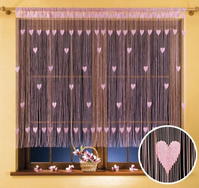 Гардина-лапша Wisan Walentynka, цвет: розовый, 270 см х 150 смStormГардина-лапша Wisan Walentynka, изготовленная из полиэстера и украшенная сердечками, станет прекрасным дополнением интерьера комнаты. Яркий дизайн и нежная цветовая гамма привлекут к себе внимание и органично впишутся в интерьер комнаты. Оригинальное оформление гардины внесет разнообразие и подарит заряд положительного настроения. Гардина оснащена кулиской для крепления на круглый карниз.