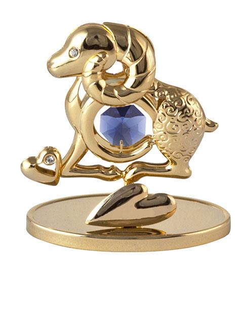 Миниатюра Crystocraft Овечка, цвет: золотистый, высота 7 см74-0060Миниатюра Crystocraft Овечка изготовлена из стали с роскошным искусно выполненным покрытием золотистого цвета. Фигурка овечки инкрустирована крупным кристаллом Swarowski синего цвета. Роскошная миниатюра Crystocraft - прекрасное украшение письменного стола, а также чудесный подарок к любому случаю.