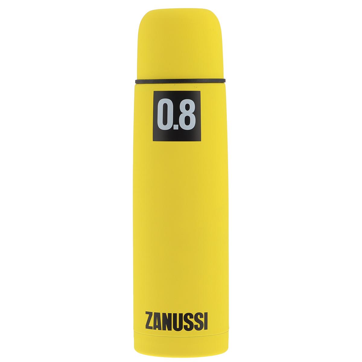Термос Zanussi, цвет: желтый, 800 мл21395599Термос с узким горлом Zanussi, изготовленный из высококачественной нержавеющей стали 18/10, является простым в использовании, экономичным и многофункциональным. Корпус изделия оснащен резиновым покрытием, благодаря чему термос практически невозможно разбить, он защищен от сколов. Термос с двухстеночной вакуумной изоляцией, предназначенный для хранения горячих и холодных напитков (чая, кофе), сохраняет их до 12 часов горячими и холодными в течении 24 часов. Изделие укомплектовано пробкой с кнопкой. Такая пробка удобна в использовании и позволяет, не отвинчивая ее, наливать напитки после простого нажатия. Изделие также оснащено крышкой-чашкой. Легкий и прочный термос Zanussi сохранит ваши напитки горячими или холодными надолго.