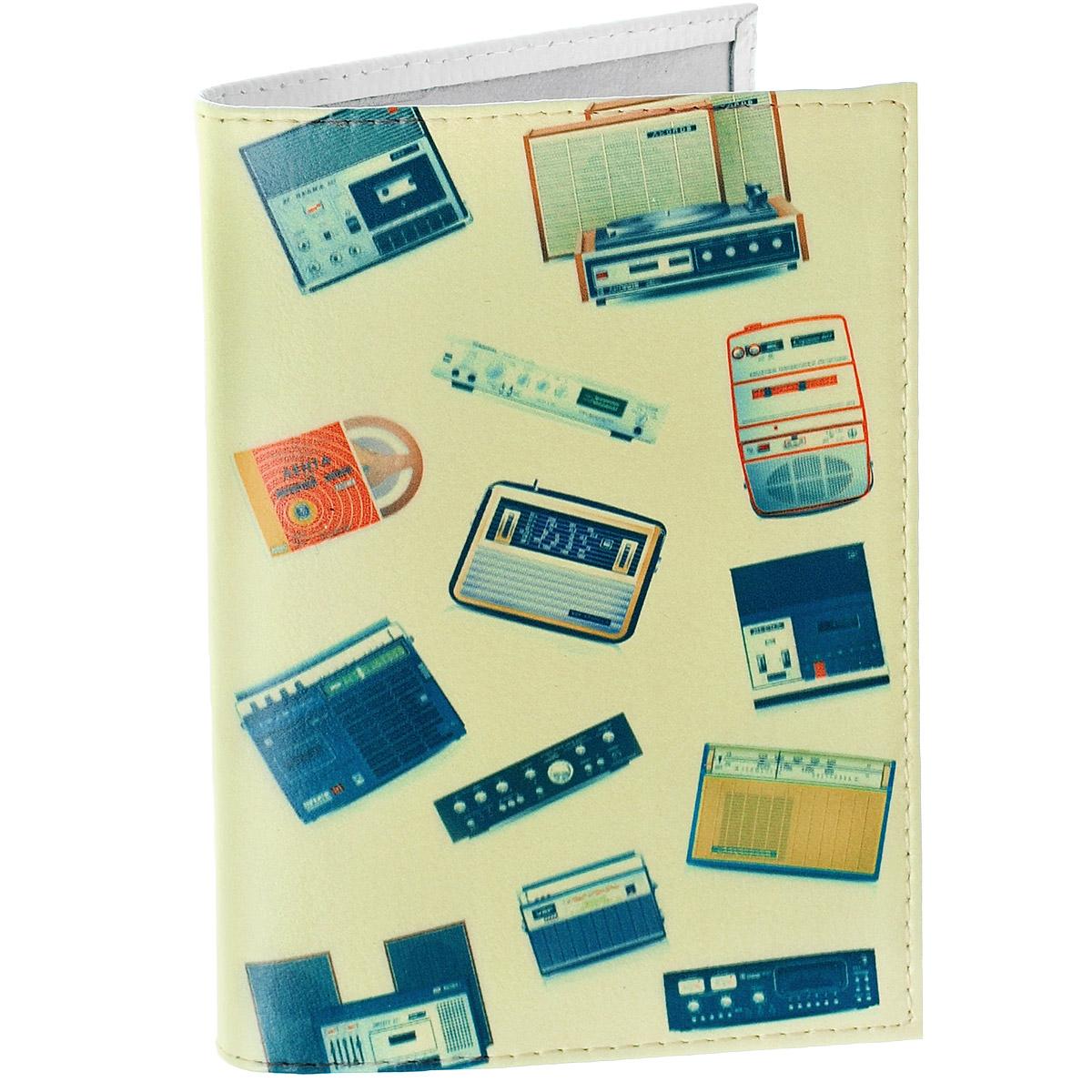 Обложка для паспорта Радиоприемники. OK280PS-PT-35Обложка для паспорта Mitya Veselkov Радиоприемники выполнена из натуральной кожи и оформлена изображениями звуковой аппаратуры. Такая обложка не только поможет сохранить внешний вид ваших документов и защитит их от повреждений, но и станет стильным аксессуаром, идеально подходящим вашему образу.Яркая и оригинальная обложка подчеркнет вашу индивидуальность и изысканный вкус. Обложка для паспорта стильного дизайна может быть достойным и оригинальным подарком.