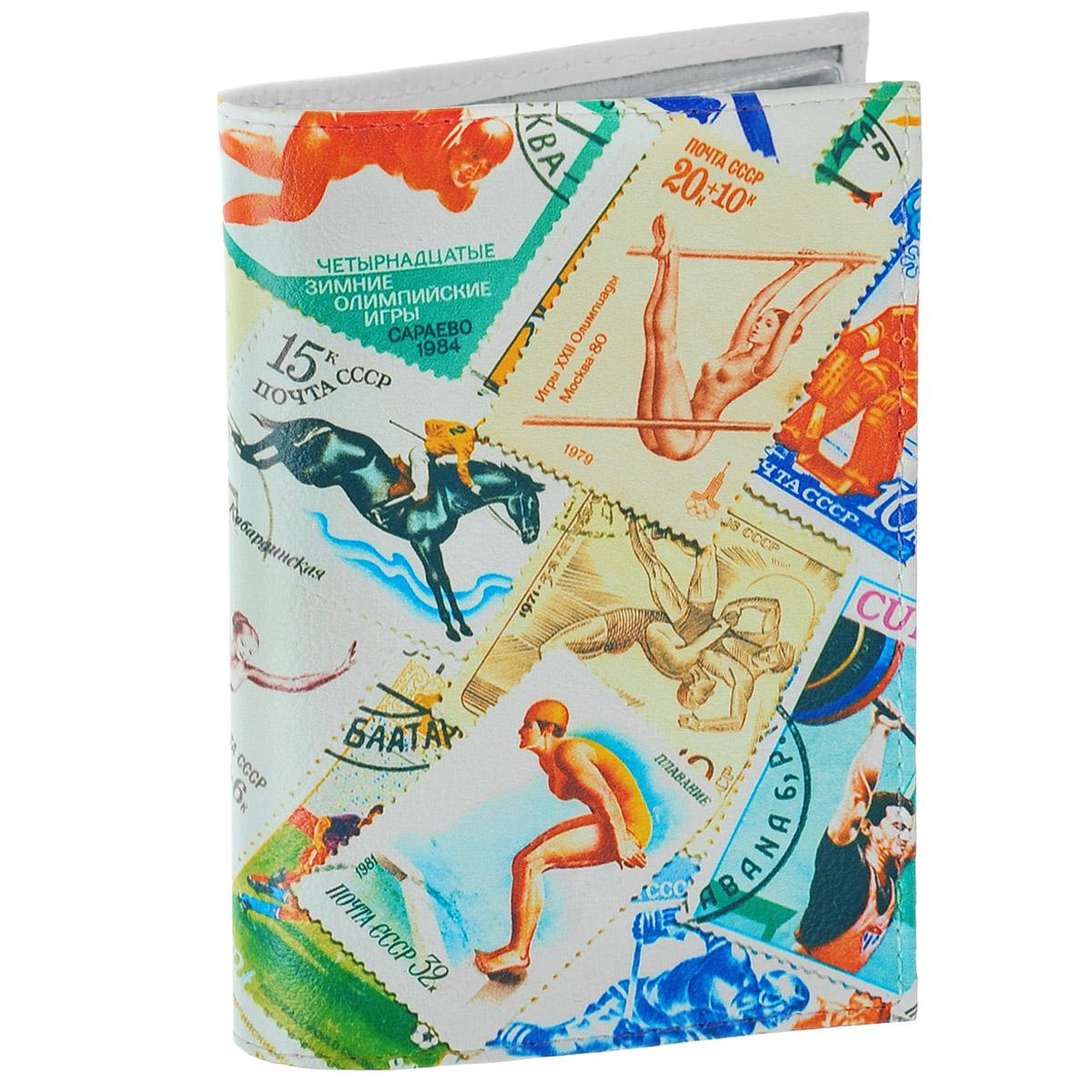 Обложка для автодокументов Спорт (марки) 2. AUTO282BV.20.-1.blackОбложка для автодокументов Mitya Veselkov Спорт. Марки - 2 изготовлена из натуральной кожии оформлена изображениями почтовых марок со спортивной тематикой. На внутреннем развороте имеются съемный блок из шести прозрачных файлов из мягкого пластика для водительских документов, один из которых формата А5, а также два боковых кармашка для визиток или банковских карт.Стильная обложка не только поможет сохранить внешний вид ваших документов и защитит их отгрязи и пыли, но и станет аксессуаром, который подчеркнет вашу яркую индивидуальность.