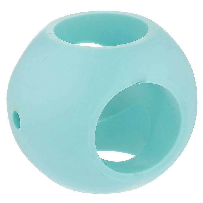 Магнитный шар для стирки Bradex Аквамаг904692Магнитный шар смягчит воду, сделав белье более нежным и шелковистым, а также предотвратит образование накипи на элементах стиральной машины. В отличие от большинства кондиционеров, магнитный шар - абсолютно безопасный и экологичный продукт, созданный для эффективной и экономичной стирки. Прибор представляет собой шар с магнитами в пластмассовом корпусе. Используйте его вместо кондиционера и других дополнительных средств во время стирки и оцените результат: - белье становится мягким и нежным; - сложные загрязнения легче отстирываются; - на элементах машины меньше накипи. Принцип действия: Магниты смягчают структуру воды посредством пространственной ориентации молекул нерастворимой соли. Таким образом, соль, придающая воде жесткость, получает более обтекаемый вид и вода смягчается. Кристаллы не остаются на белье, придавая ему жесткость. Вам не нужно больше использовать кондиционер! Магнитный шар Аквамаг полностью заменит его.