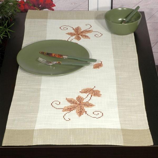 Дорожка для декорирования стола Schaefer, прямоугольная, цвет: серый, белый, 40 x 90 см 6030/274S03301004Набор домашнего текстиля, 70% полиэстер, 30% вискоза (Дорожка, 40*90 см; )Изысканный текстиль от немецкой компании Schaefer – это красота, стиль и уют в вашем доме.Дорожка послужит прекрасным декором, как для гостиной, так и для кухни, идеально подойдет для любого интерьера и события от домашних завтраков до романтического ужина. Дарите себе и близким красоту каждый день! Изделие легко стирать и гладить, не требует специального ухода.