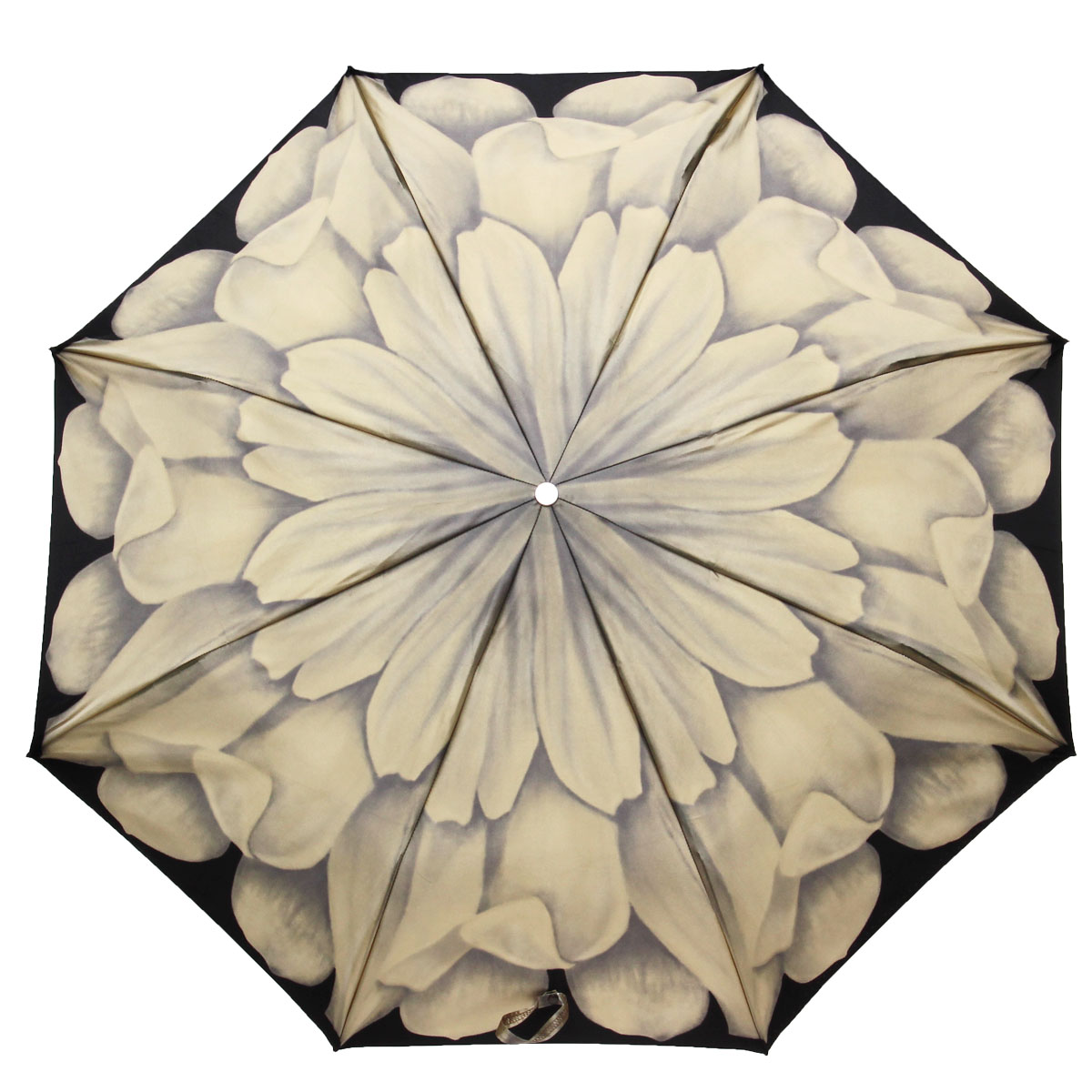 Зонт жеский Pasotti, механический, 3 сложения, черный, серый257-21065-48-A28Стильный механический зонт Pasotti даже в ненастную погоду позволит вам оставаться стильной и элегантной.Фигурная рукоятка выполнена из металла и украшена резным орнаментом и стразой. Каркас зонта состоит из восьми металлических спиц.Зонт имеет механический механизм сложения: купол открывается и закрывается вручную до характерного щелчка.Купол зонта выполнен из прочного сатина и оформлен изображением цветка. Закрытый купол фиксируется хлястиком на кнопку.Компактные размеры зонта в сложенном виде позволят ему без труда поместиться в сумочке и не доставят никаких проблем во время переноски. На рукоятке для удобства есть металлическая цепочка, позволяющая надеть зонт на руку тогда, когда это будет необходимо. К зонту прилагается чехол.