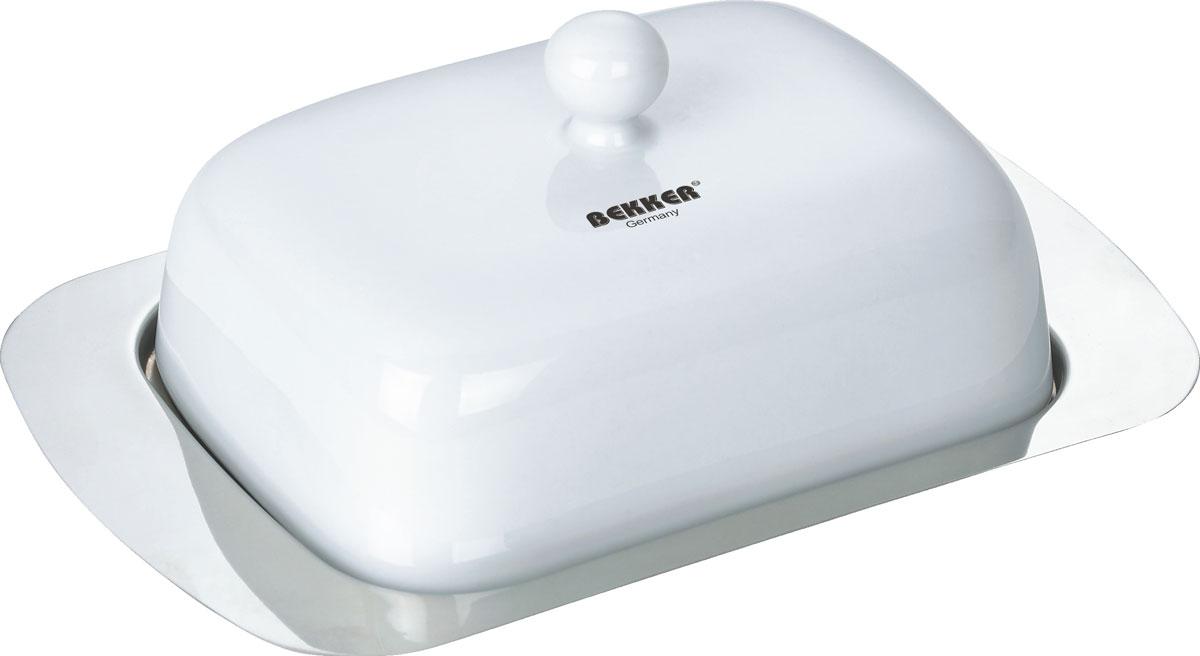 Масленка Bekker. BK-3003BK-3003Масленка Bekker изготовлена из высококачественной нержавеющей стали с зеркальной полировкой, крышка имеет белое матовое покрытие. Масленка представляет собой поднос с выемками, благодаря которым крышка плотно на него устанавливается. В такой масленке масло надолго останется вкусным и свежим. Масленка Bekker станет достойным дополнением коллекции ваших кухонных аксессуаров.Размер масленки (ДхШхВ): 18,7 см х 12,3 см х 6,5 см. Толщина стенки: 0,5 мм.