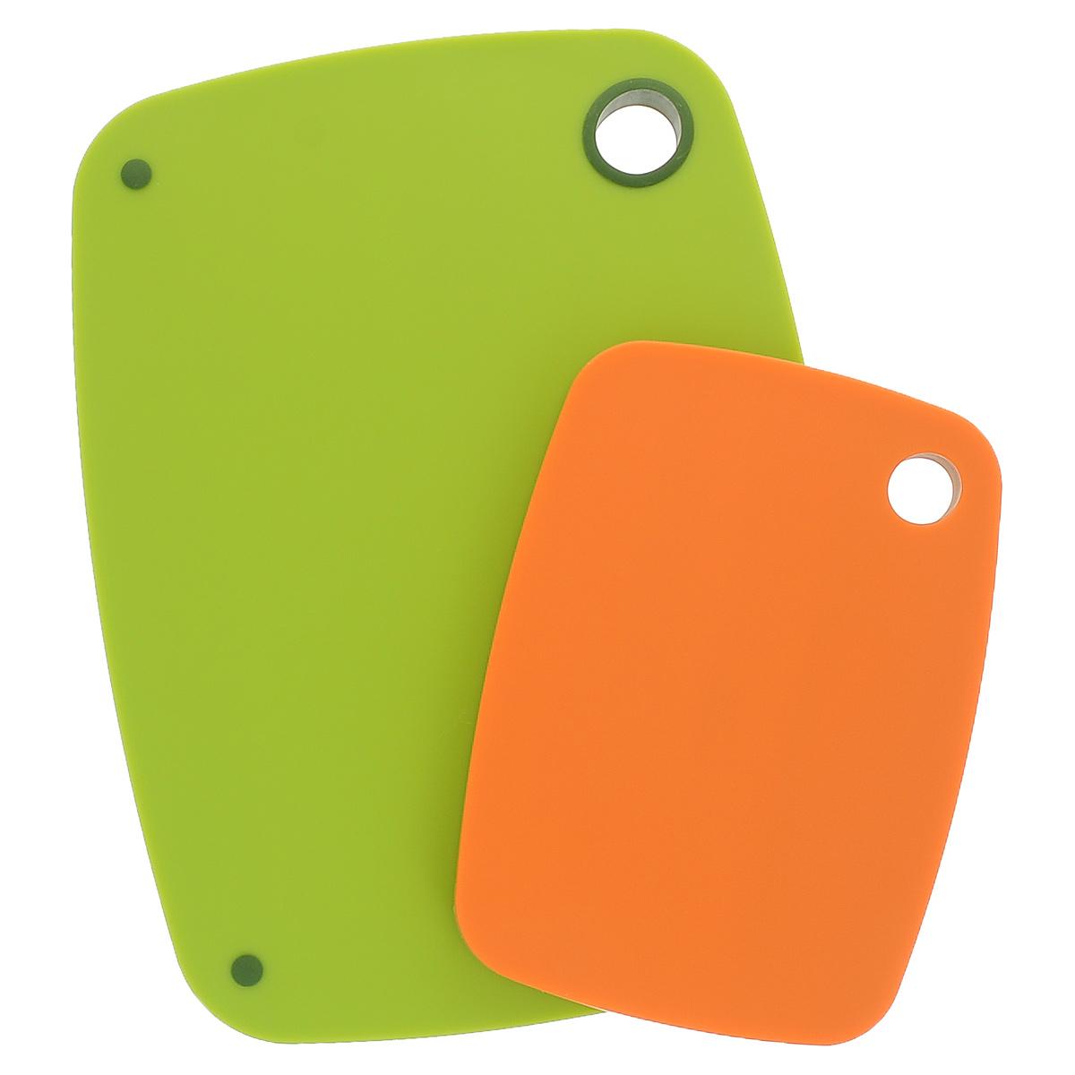 Набор разделочных досок из бамбука, цвет: салатовый, оранжевый, 2 шт391602Набор состоит из двух разделочных досок, выполненных с одной стороны из пищевого пластика, а с другой стороны из натурального бамбука. Доска большего размера имеют прорезиненные ножки, которые предотвращают скольжение доски. Оригинальный набор разделочных досок понравится всем ценителям оригинальных вещей и займет достойное место на вашей кухне.