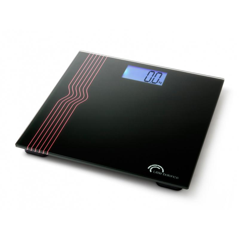 Весы напольные Little balance Exclusif 40, цвет: черныйVT-2406 Black WhiteНапольные весы Little balance Exclusif 40 просты и удобны в эксплуатации. Горизонтальная платформа изготовлена из качественного высокопрочного стекла, выдерживающего вес до 150 кг. Изделие декорировано оригинальными цветными полосками. Весы имеют функцию автоматического включения. Работают на двух батарейках типа CR 2032 (входят в комплект). Прилагается инструкция по эксплуатации на русском языке.Материал: стекло, полимерные материалы.Размер: 30 см x 30 см x 2,5 см. Размер дисплея: 8,2 см x 4,3, см. LCD подсветка: синяя.