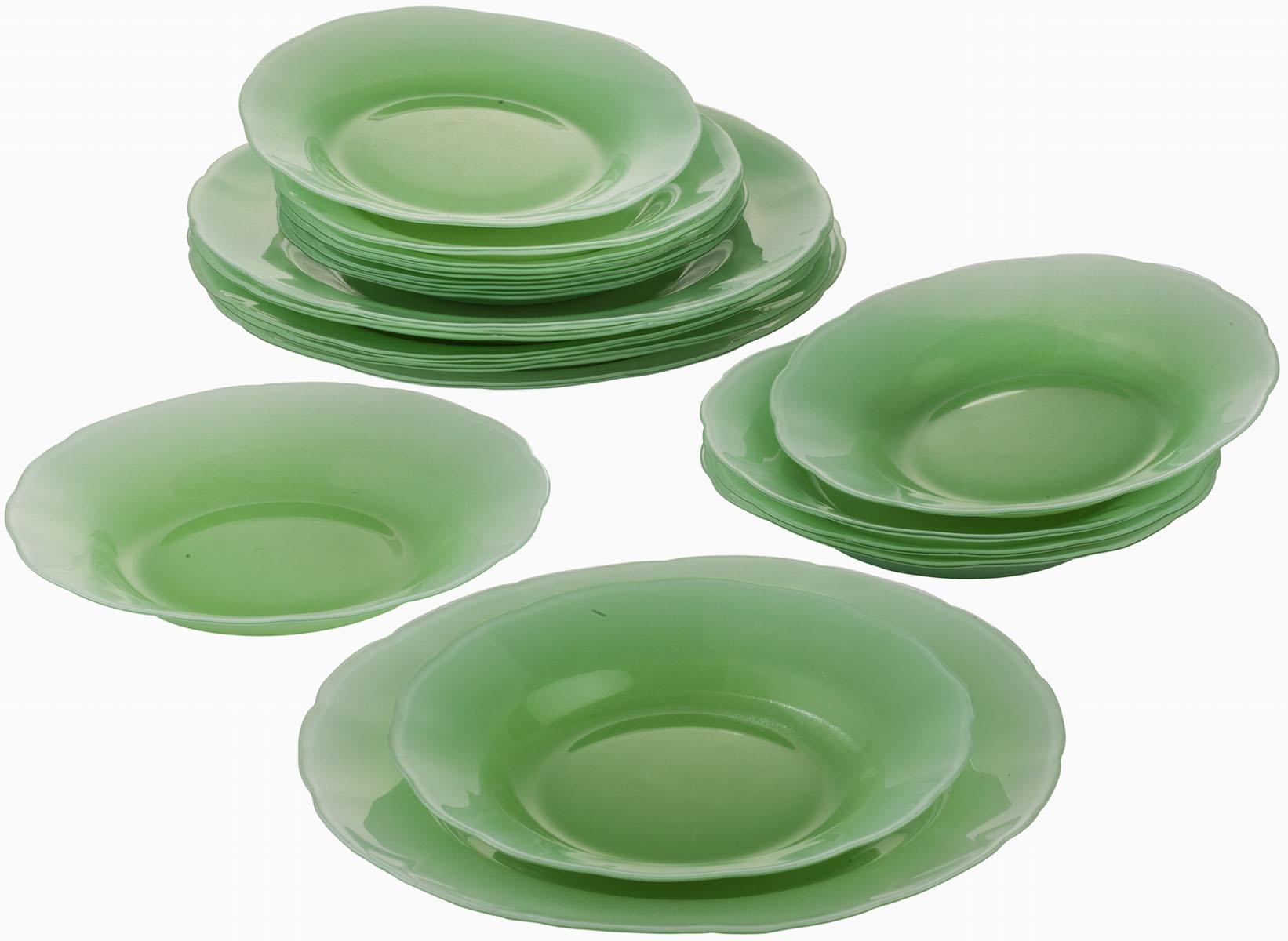 Сервиз обеденный Bekker Koch, 18 предметов, цвет: зеленый. BK-9904VT-1520(SR)Обеденный сервиз Bekker Koch, изготовленный из высококачественного стекла, состоит из 6 суповых тарелок, 6 обеденных тарелок и 6 десертных тарелок. Такой сервиз придется по вкусу любителям классики, и тем, кто предпочитает утонченность и изысканность. Набор эффектно украсит стол к обеду, а также прекрасно подойдет для торжественных случаев.Не рекомендуется мыть в посудомоечной машине.