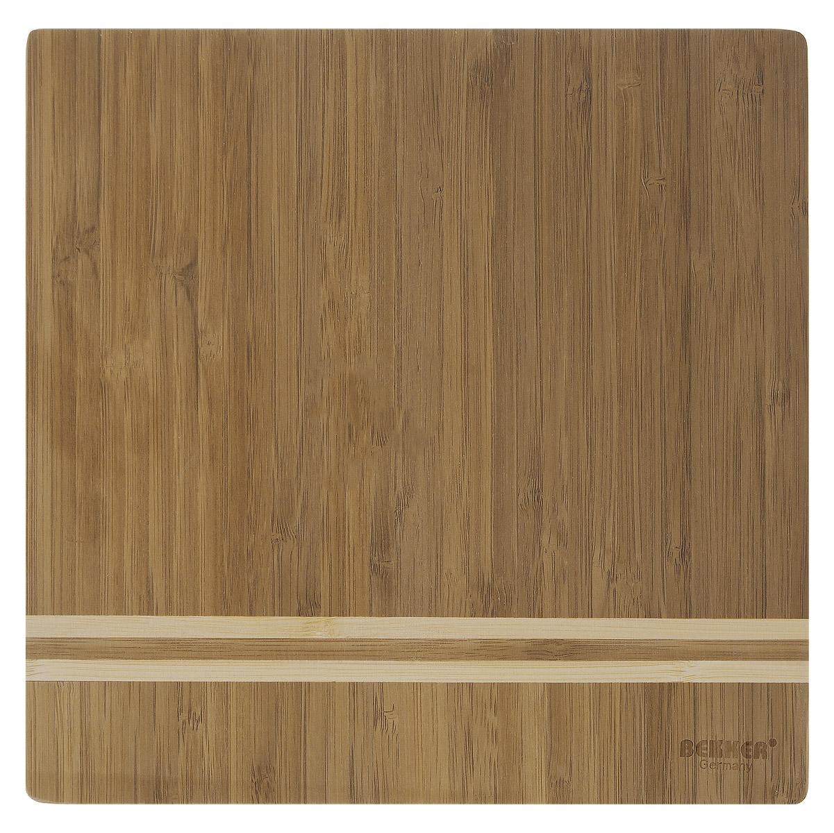 Доска разделочная Bekker, бамбуковая, 25 х 25 см54 009312Квадратная разделочная доска Bekker изготовлена из высококачественной древесины бамбука, обладающей антибактериальными свойствами. Бамбук - инновационный материал, идеально подходящий для разделочных досок. Доски из бамбука обладают высокой плотностью структуры древесины, а также устойчивы к механическим воздействиям. Функциональная и простая в использовании, разделочная доска Bekker прекрасно впишется в интерьер любой кухни и прослужит вам долгие годы.