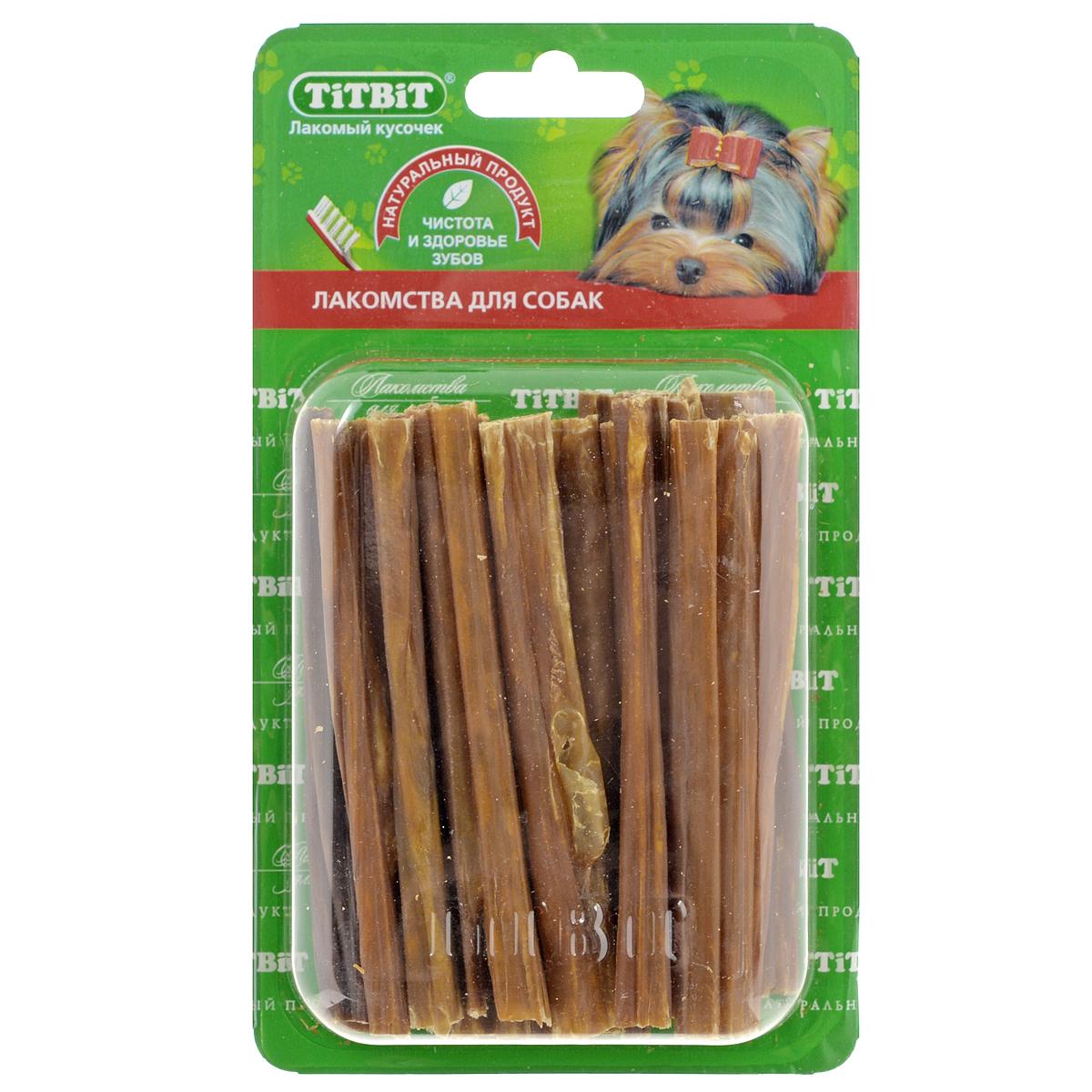 Лакомство для собак Titbit, кишки говяжьи, длина 11 см0120710Лакомство для собак Titbit изготовлено из высушенных говяжьих кишков. Упаковка содержит 12-16 штук длиной 11 см. Легкоусвояемое лакомство, богатое витаминами и ферментами микрофлоры кишечника крупного рогатого скота. Имеют большую энергетическую ценность из-за повышенного содержания жира. Богаты протеинами, которые содержат все незаменимые аминокислоты и потому усваиваются на 90-95%. Содержат минеральные вещества в большем количестве, чем все остальные продукты (в том числе кальций, магний и фосфор), жирорастворимые витамины, а также водорастворимые витамины. Рекомендации к применению: Очищает зубы у мелких пород собак, продукт полезен для стимуляции пищеварения. Рекомендовано для профилактики витаминного и ферментного дефицита у собак всех пород. Кишки - лакомства очень концентрированные, насыщенные ферментами и богатые жиром. Они не предназначены для частого применения (2, максимум 3 раза в неделю при хорошей переносимости, а также в зависимости от рациона собаки). По той же причине они рекомендованы к применению не ранее чем с 6-месячного возраста. Не рекомендовано давать данный вид лакомств на голодный желудок. Состав: высушенные говяжьи кишки. Среднее количество в одной упаковке: 12 - 16 шт.Длина лакомства: 11 см.