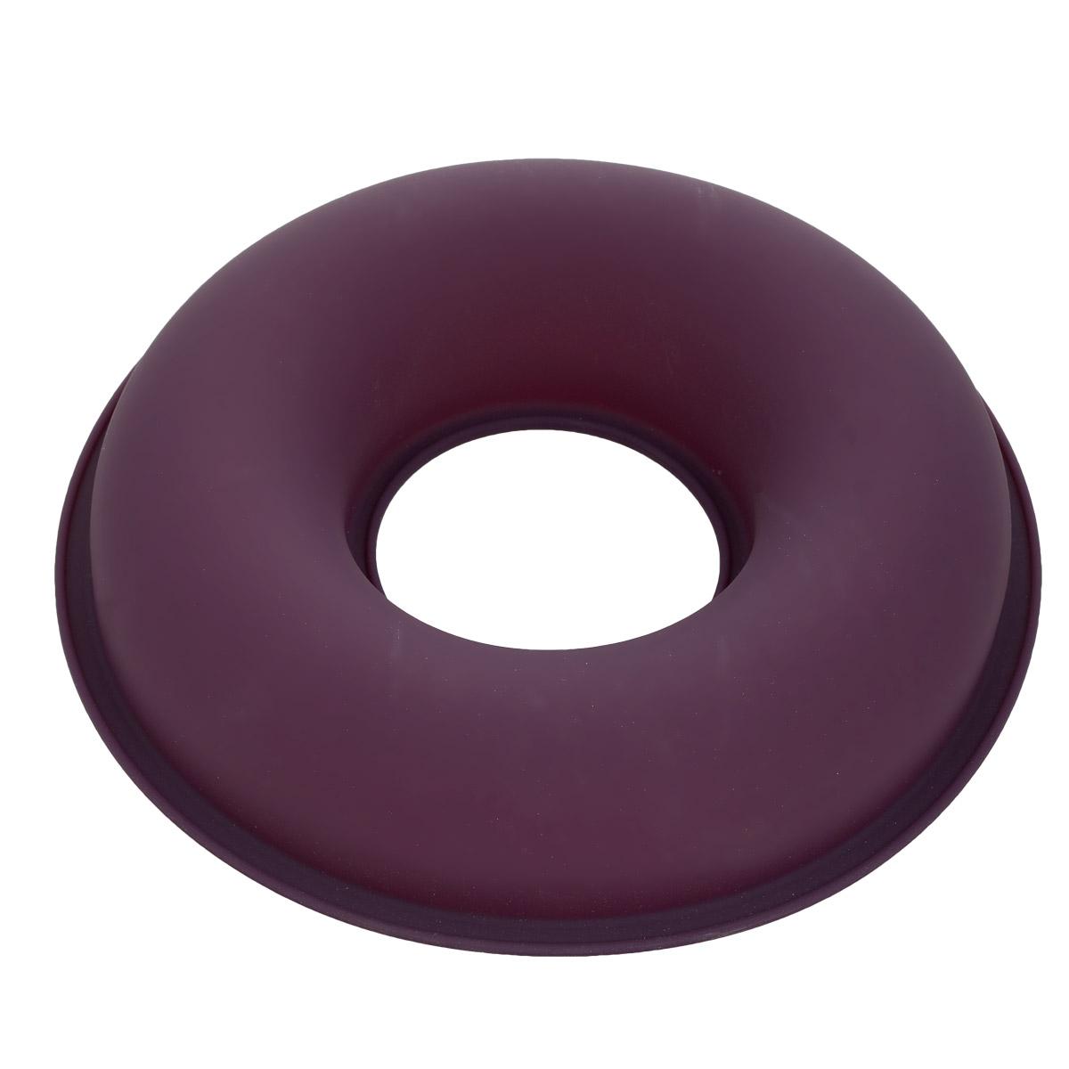 Форма для выпечки Bekker Круг, силиконовая, цвет: фиолетовый, диаметр 26,5 смFS-91909Форма для выпечки Bekker Круг изготовлена из силикона. Силиконовые формы для выпечки имеют много преимуществ по сравнению с традиционными металлическими формами и противнями. Они идеально подходят для использования в микроволновых, газовых и электрических печах при температурах до +250°С; в случае заморозки до -50°С. Можно мыть в посудомоечной машине. За счет высокой теплопроводности силикона изделия выпекаются заметно быстрее. Благодаря гибкости и антиприлипающим свойствам силикона, готовое изделие легко извлекается из формы. Для этого достаточно отогнуть края и вывернуть форму (выпечке дайте немного остыть, а замороженный продукт лучше вынимать сразу). Силикон абсолютно безвреден для здоровья, не впитывает запахи, не оставляет пятен, легко моется.Форма для выпечки Bekker Круг - практичный и необходимый подарок любой хозяйке!