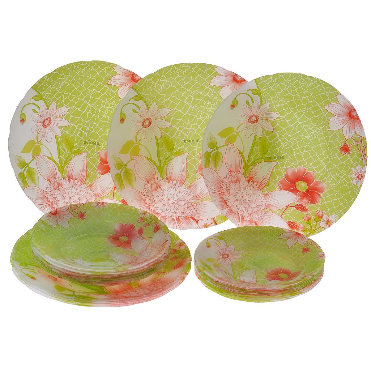 Сервиз обеденный Bekker Koch, 18 предметов. BK-9901115510Обеденный сервиз Bekker Koch, изготовленный из высококачественного стекла, состоит из 6 суповых тарелок, 6 обеденных тарелок и 6 десертных тарелок. Изделия декорированы ярким изображением цветов. Такой сервиз придется по вкусу любителям классики, и тем, кто предпочитает утонченность и изысканность. Набор эффектно украсит стол к обеду, а также прекрасно подойдет для торжественных случаев.Не рекомендуется мыть в посудомоечной машине.