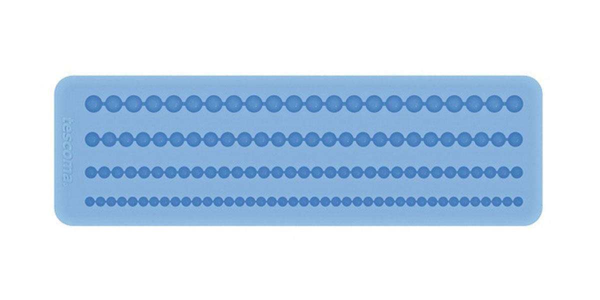 Форма для украшения выпечки Tescoma Бордюр с бусинами, 4 ячейки633044Форма Tescoma Бордюр с бусинами отлично подходит для украшения выпечки фигурками из марципана или помадки. Необходимо поставить заполненные формы в морозильник на 5-10 минут, а затем вытащить их, мягко нажав на дно формы. Форма изготовлена из превосходного гибкого силикона. На одном листе расположены 4 ячейки в виде полосок из сплетенных круглых бусин разных цветов. Можно мыть в посудомоечной машине.