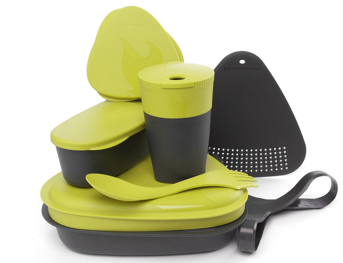 Набор походной посуды Light My Fire MealKit 2.0, цвет: лайм, 10 предметов41360510Набор походной посуды Light My Fire MealKit 2.0 отлично подойдет для обедов на работе, в школе, для пикника, походов и загородного отдыха. Набор включает в себя: контейнер с крышкой, которая так же может использоваться как тарелка, ловилку Spork Original, которая сочетает в себе ложку, вилку, нож, герметичную коробочку с мерной шкалой SnapBox original, герметичную коробочку c мерной шкалой SnapBox oval, складную кружку Pack-up-Cup, комбинированную разделочную доску и удерживающий резиновый ремешок.Набор можно мыть в посудомоечной машине и использовать в микроволновой печи. Кроме того, набор Light My Fire MealKit 2.0 не тонет в воде! С таким набором не возможно остаться незамеченным.Размер контейнера (с учетом крышки): 19 см х 19 см х 6 см.Объем контейнера: 900 мл. Объем крышки: 500 мл. Длина ловилки: 17 см. Размер кружки (в разложенном виде): 7 см х 7 см х 10,5 см. Объем кружки: 260 мл. Размер кружки (в сложенном виде): 7 см х 7 см х 4 см. Размер разделочной доски: 15 см х 15,5 см. Размер коробочки SnapBox oval (с учетом крышки): 16,5 см х 7 см х 5 см. Объем коробочки SnapBox oval: 320 мл. Размер коробочки SnapBox original (с учетом крышки): 9,5 см х 9,5 см х 4 см. Объем коробочки SnapBox original: 170 мл.