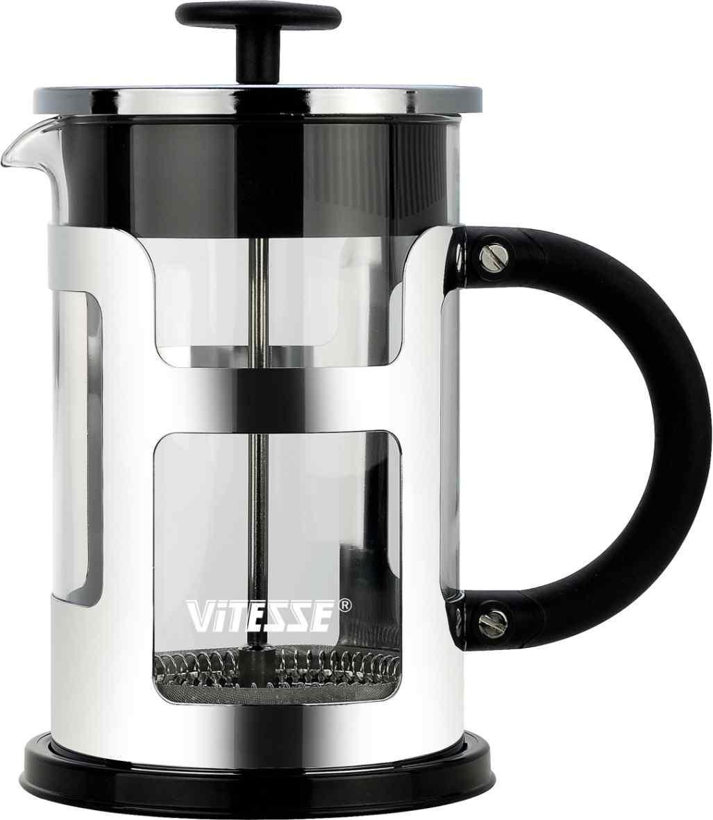 Френч-пресс Vitesse, 800 мл. VS-2612VT-1520(SR)Френч-пресс Vitesse предназначен для приготовления кофе методом настаивания и отжима, а также для заваривания чая и различных трав. Центральный элемент френч-прессов - плунжер - представляет собой фильтр с ручкой, позволяющий эффективно отделять сырье от напитка при отжиме. Корпус, фильтр и крышка выполнены из высококачественной нержавеющей стали с зеркальной полировкой, колба изготовлена из термостойкого стекла. Эргономичная прорезиненная ручка обеспечивает надежный хват и комфорт во время использования. Устойчивое пластиковое основание обладает термоизоляционными свойствами, поэтому вы можете не бояться, что ваш стол может быть поврежден от высоких температур. Специальная сеточка-фильтр эффективно задерживает чаинки и кофейный осадок. В комплекте пластиковая мерная ложка. Можно мыть в посудомоечной машине. Объем: 800 мл. Диаметр (по верхнему краю): 9,5 см. Высота френч-пресса: 19 см. Длина ложечки: 10 см. Диаметр основания: 11 см.