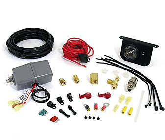 Комплект подключения ресивераBERKUT TG-55PRO-24Технические характеристики: - Реле Вкл\Выкл:TG-55: 110\150 Psi (7,7\10,5 bar.); - Внутрисалонный манометр с подсветкой; - установочная фурнитура. Материал: металл, пластик; цвет: черный