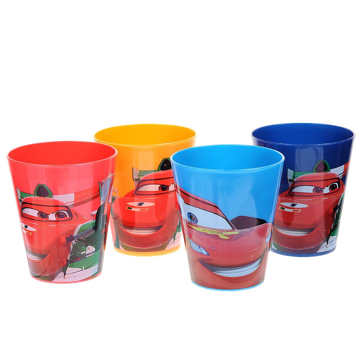 Набор стаканов Тачки, 280 мл, 4 штVT-1520(SR)Яркие стаканы из набора Тачки доставят малышу массу удовольствия. Изготовлены они из высококачественного ударопрочного пластика. Со стенок стакана вашему малышу приятно улыбаются персонажи популярного мультфильма Тачки. Прекрасное дополнение к праздничному столу на празднике!В наборе четыре стакана.