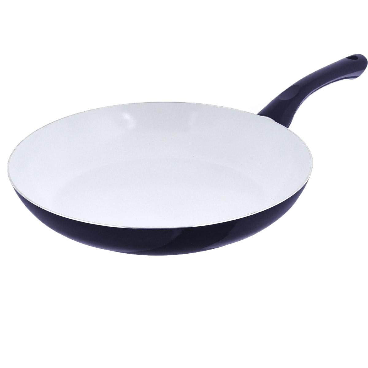 Сковорода Bekker, с антипригарным покрытием, цвет: темно-синий. Диаметр 30 см. BK-3705FS-91909Сковорода Bekker изготовлена из алюминия с внутренним антипригарным керамическим покрытием. Благодаря этому пища не пригорает и не прилипает к стенкам. Готовить можно с минимальным количеством масла и жиров. Гладкая поверхность обеспечивает легкость ухода за посудой. Внешнее покрытие - цветной жаростойкий лак. Изделие оснащено удобной бакелитовой ручкой, которая не нагревается в процессе готовки.Сковорода подходит для использования на всех типах кухонных плит, кроме индукционных, а также ее можно мыть в посудомоечной машине.