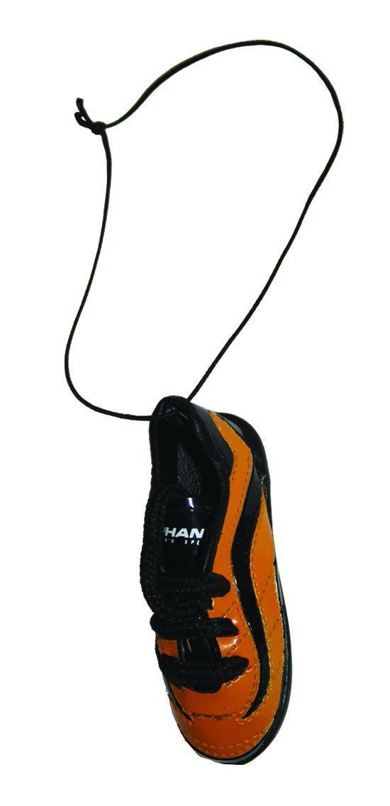 Ароматизатор Phantom Бутсы футбольные, ванильCA-3505Еще один продукт для футбольных болельщиков - яркие бутсы! Сшиты как настоящая обувь спортсмена, прошивки, шнурки - уменьшенная копия реальных бутс. Наполнены ароматическим волокном, позволяющим удерживать запах в течение длительного времени. Характеристики: Аромат: ваниль. Материал: искусственная кожа, отдушка, полипропилен. Размер ароматизатора: 7,5 см х 2,5 см х 3 см. Размер упаковки: 10 см х 19 см х 4 см.