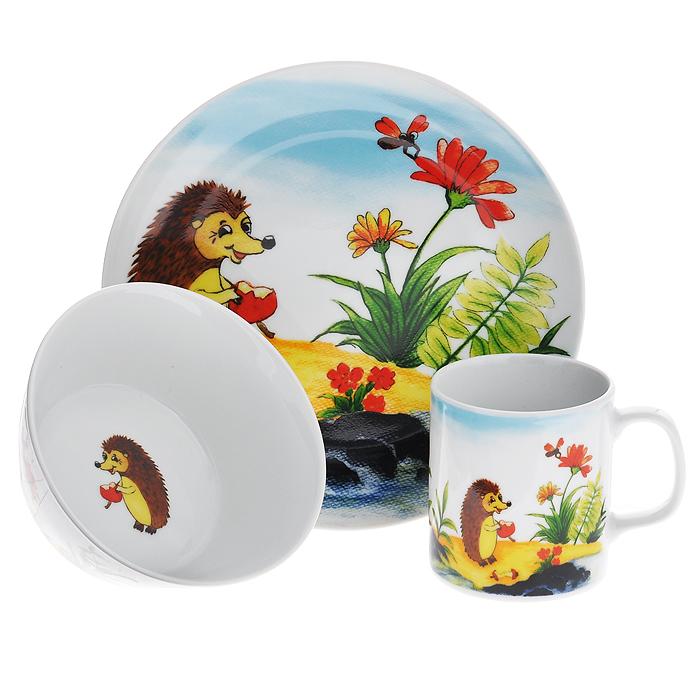 Набор детской посуды Legendale, 3 предмета. SHS4943115510Набор детской посуды Legendale состоит из тарелки, супницы и чашки. Предметы набора изготовлены из высококачественного фарфора белого цвета. Изделия оформлены красочным изображением ежика. Яркий красочный набор привлечет внимание ребенка и сделает завтраки и обеды веселым занятием. Кроме того, набор очень функционален, в нем есть вся необходимая посуда. Можно использовать в микроволновой печи и мыть в посудомоечной машине.
