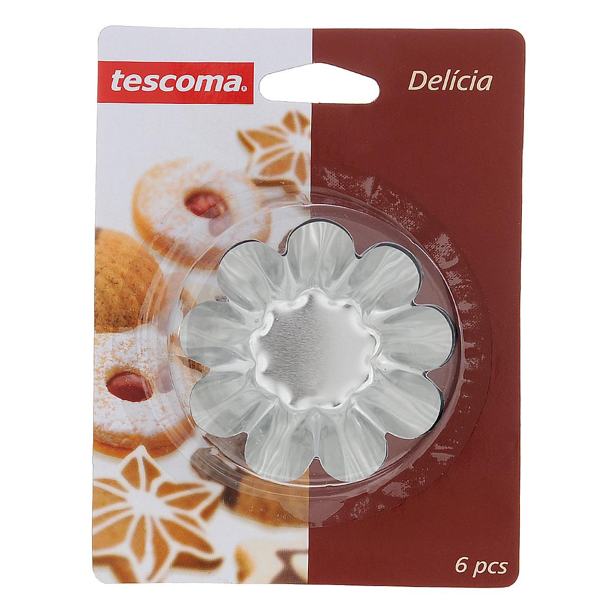 Набор форм для выпечки Tescoma Delicia, с антипригарным покрытием, диаметр 6 см, 6 шт3000011SURM017Набор Tescoma Delicia состоит из 6 круглых форм с волнистыми рельефными краями для выпечки кексов. Изделия выполнены из нержавеющей стали с антипригарным покрытием, которое предотвращает прилипание пищи. Это позволит легко извлечь выпечку из формы, просто перевернув ее. Формы замечательно подходят для приготовления кексов, сладкого, соленого печенья и других десертов. После использования вымойте и вытрите формы.Нельзя использовать в посудомоечной машине.