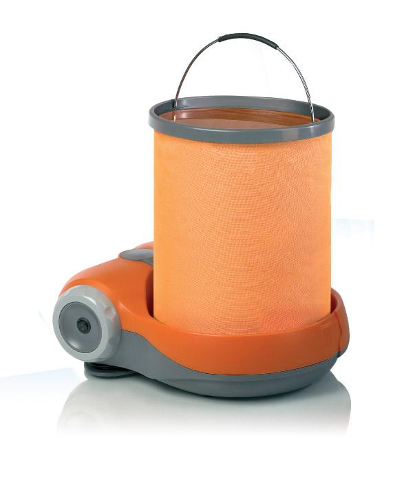 Портативная мини-мойкаBERKUT Smart Washer SW-C2W105-AR YellowMодель: SW-C212 Вольт напряжение 9 Бар максимальное рабочее давление 2 л/мин производительность60 Вт мощность15 Литров мягкое ведро-трансформерSMART WASHER - Подходит для мойки велосипедов, мотосредств, автомобилей, фургонов, мебели для пикника, обуви и одежды, домашних животных, работ в саду и многое другое.. SMART WASHER - Создает высокое давление воды при её малом потреблении. SMART WASHER - Экономична в потреблении энергии. SMART WASHER - Компактная, портативная, безопасная, с большим сроком службы. Материал: металл, пластик; цвет: оранжевый