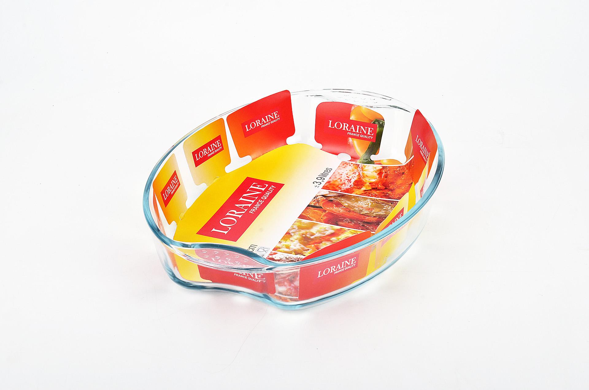 Жаровня Loraine, 3,9 л20666Овальная жаровня Loraine изготовлена из жаропрочного боросиликатного прозрачного стекла. Стеклянная посуда идеальна для запекания, так как стекло - это экологически чистый, износостойкий и долговечный материал, к которому не прилипает пища, в такой посуде пища сохраняет все свои полезные вещества и микроэлементы. Емкость идеальна для запекания в духовке птицы и мяса, для приготовления лазаньи, запеканки и даже пирогов. С жаровней Loraine вы всегда сможете порадовать своих близких оригинальной выпечкой.Подходит для использования в духовке при температуре до +400°С, в морозильной камере при температуре до -40°С. Можно использовать в микроволновой печи. Подходит для мытья в посудомоечной машине.Объем: 3,9 л. Размер жаровни (с учетом ручек): 39,5 см х 27,5 см. Высота стенки: 6,5 см.