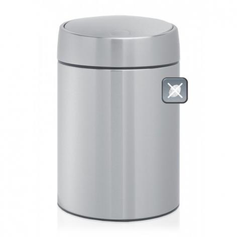 Ведро для мусора Brabantia Slide, 5 лOLIVIERA 75012-5C CHROMEВедро для мусора Brabantia Slide изготовлено из матовой стали с защитой от отпечатков пальцев. Отдельное внутреннее пластиковое ведро обеспечивает удобный вынос мусора и очистку. Специальная крышка легко открывается движением одной руки, закрывается бесшумно и автоматически. Уникальная запатентованная система открывания/закрывания. Крышка плавно поднимается и опускается без соприкосновения с содержимым бака. Пластиковый защитный обод предохраняет пол от повреждений. Бак можно поставить на пол или повесить на стену. Для настенного крепления в комплекте предусмотрен простой в установке опорный кронштейн. Ведро легко снимается с настенного кронштейна. Для ведра идеально подходят мешки для мусора с завязками (размер B). Ведро для мусора Brabantia Slide - идеальное решение для ванной комнаты и туалета!Диаметр: 20,5 см. Высота: 31,5 см.