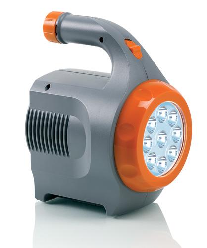 Портативный источник питания Berkut Smart Power, с фонарем61/62/1Berkut Smart Power служит для подключения различных автомобильных устройств напряжением 12В: портативные мини-мойки, автомобильные компрессоры, пылесосы, холодильники и многое другое. Устройство является отличным помощником в поездках, путешествиях, кемпинговых мероприятиях на природе. Напряжение батареи: 12В. Время полной зарядки: 5-6 ч. Яркость свечения фонаря: 18000 Лк. Максимальное время работы фонаря: 45 ч.
