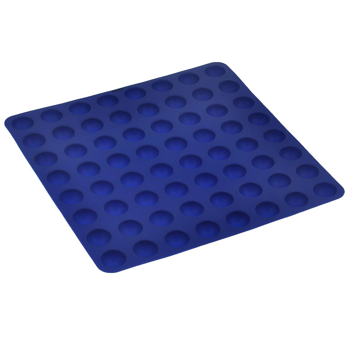 Форма для выпечки Bekker Колобки, цвет: синий, 64 ячейки391602Форма для выпечки Bekker Колобки изготовлена из силикона - материала, который выдерживает температуру от -40°С до +230°С. Изделия из силикона очень удобны в использовании: пища в них не пригорает и не прилипает к стенкам, форма легко моется. Приготовленное блюдо можно очень просто вытащить, просто перевернув форму, при этом внешний вид блюда не нарушится. Изделие обладает эластичными свойствами: складывается без изломов, восстанавливает свою первоначальную форму. Форма содержит 64 ячейки круглой формы. Порадуйте своих родных и близких любимой выпечкой. Подходит для приготовления в микроволновой печи и духовом шкафу при нагревании до +230°С; для замораживания до -40°С и чистки в посудомоечной машине. Рекомендации по использованию: - не помещайте форму непосредственно на источник тепла (открытый огонь, гриль), - не используйте нож для резки продуктов в форме, - не используйте CRISP функцию при приготовлении в микроволновой печи, - не используйте для чистки абразивные средства, скребки и щетки.