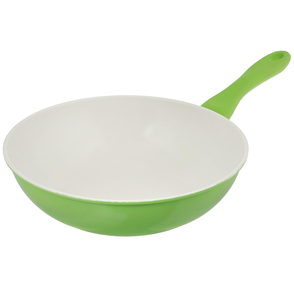 Сковорода-вок Mayer & Boch, с керамическим покрытием, цвет: зеленый. Диаметр 30 см68/5/4Сковорода Вок Mayer & Boch изготовлена из углеродистой стали с высококачественным керамическим покрытием. Керамика не содержит вредных примесей ПФОК, что способствует здоровому и экологичному приготовлению пищи. Кроме того, с таким покрытием пища не пригорает и не прилипает к стенкам, поэтому можно готовить с минимальным добавлением масла и жиров. Гладкая, идеально ровная поверхность сковороды легко чистится, ее можно мыть в воде руками или вытирать полотенцем.Эргономичная ручка специального дизайна выполнена из силикона.Сковорода подходит для использования на газовых и электрических плитах. Также изделие можно мыть в посудомоечной машине. Диаметр: 30 см. Высота стенки: 8 см. Толщина стенки: 1,2 мм. Толщина дна: 2 мм. Длина ручки: 19 см. Диаметр дна: 19 см.